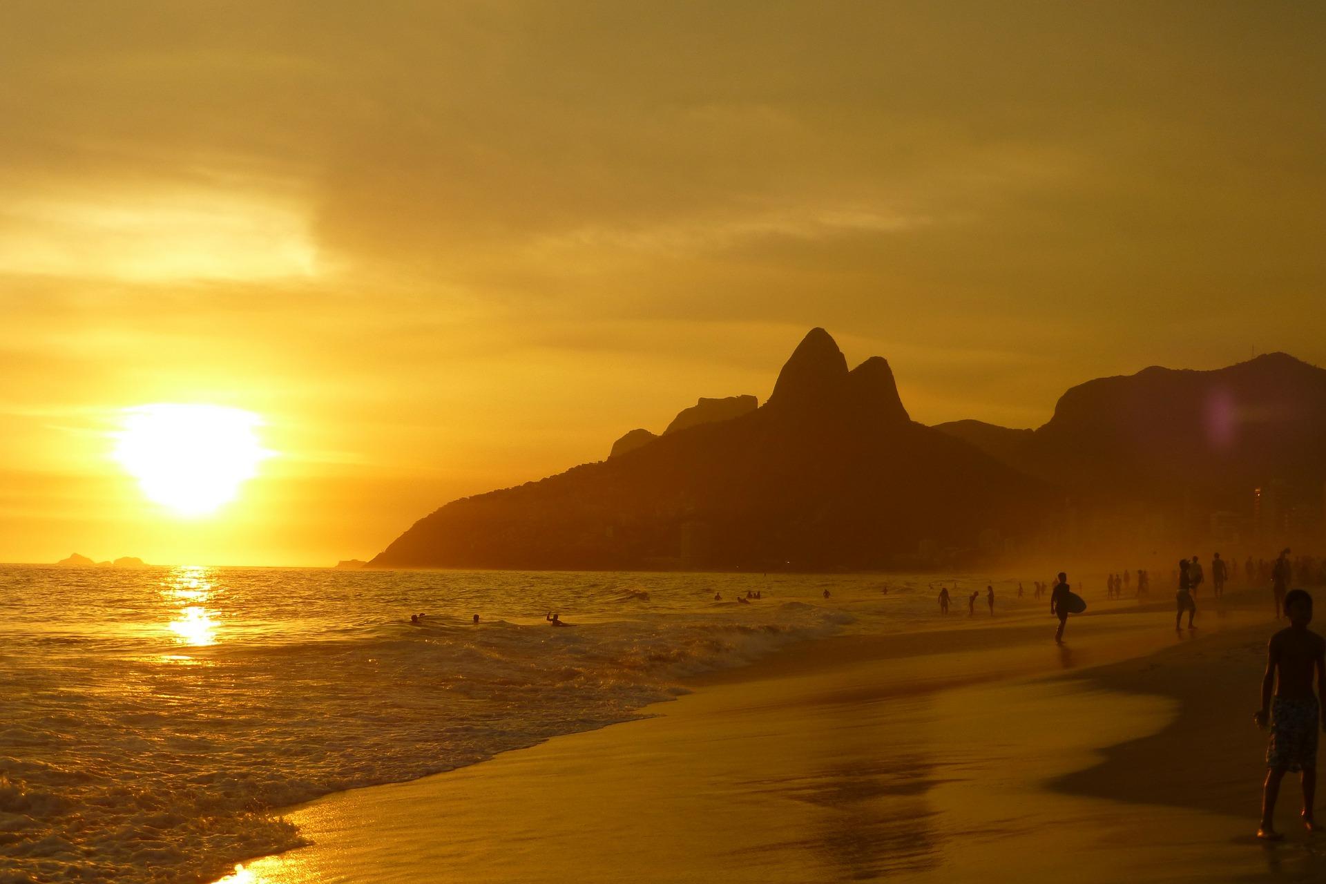 Ipanema, Ρίο ντε Τζανέιρο διακοπές, Παραλία, Ηλιοβασίλεμα, Κυρ, βουνά, Κίτρινο - Wallpapers HD - Professor-falken.com