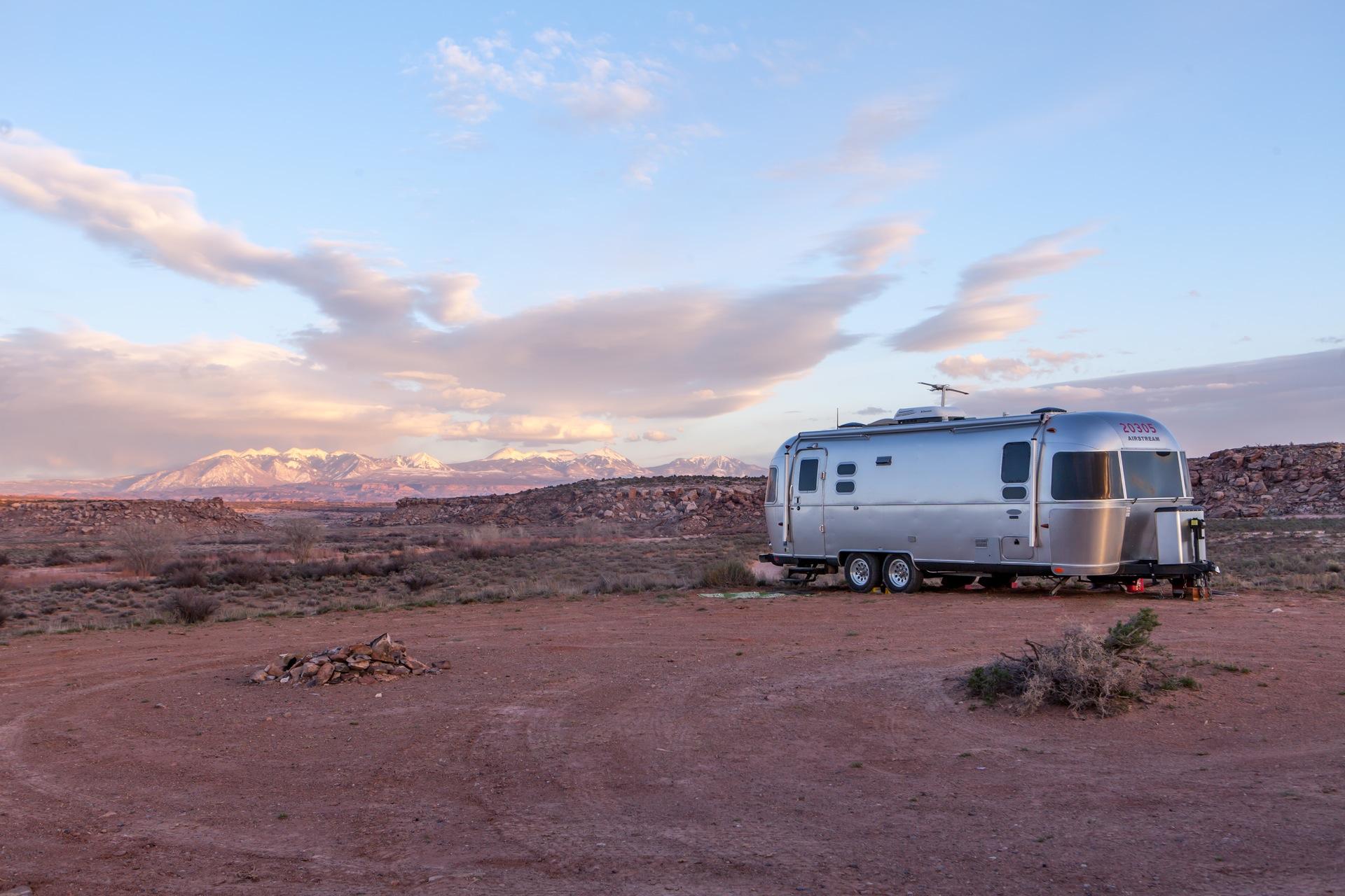 Caravane, montagnes, aube, Sky, désert, nuages - Fonds d'écran HD - Professor-falken.com