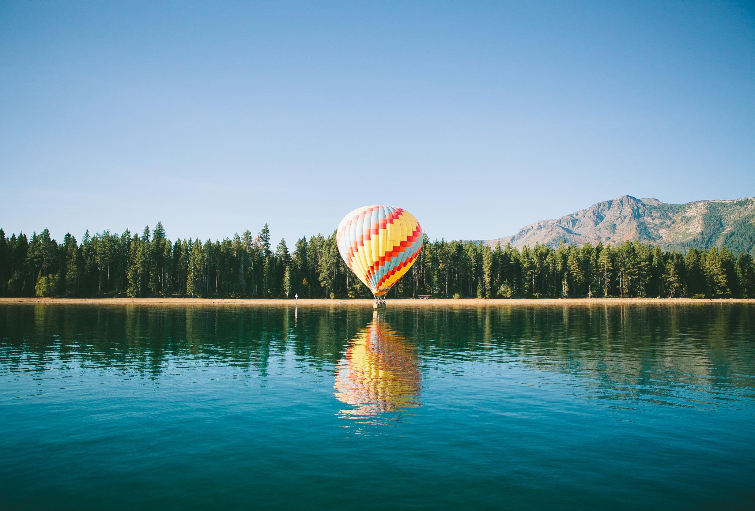 воздушный шар, Озеро, лес, Сосна, горы, Небо - Обои HD - Профессор falken.com