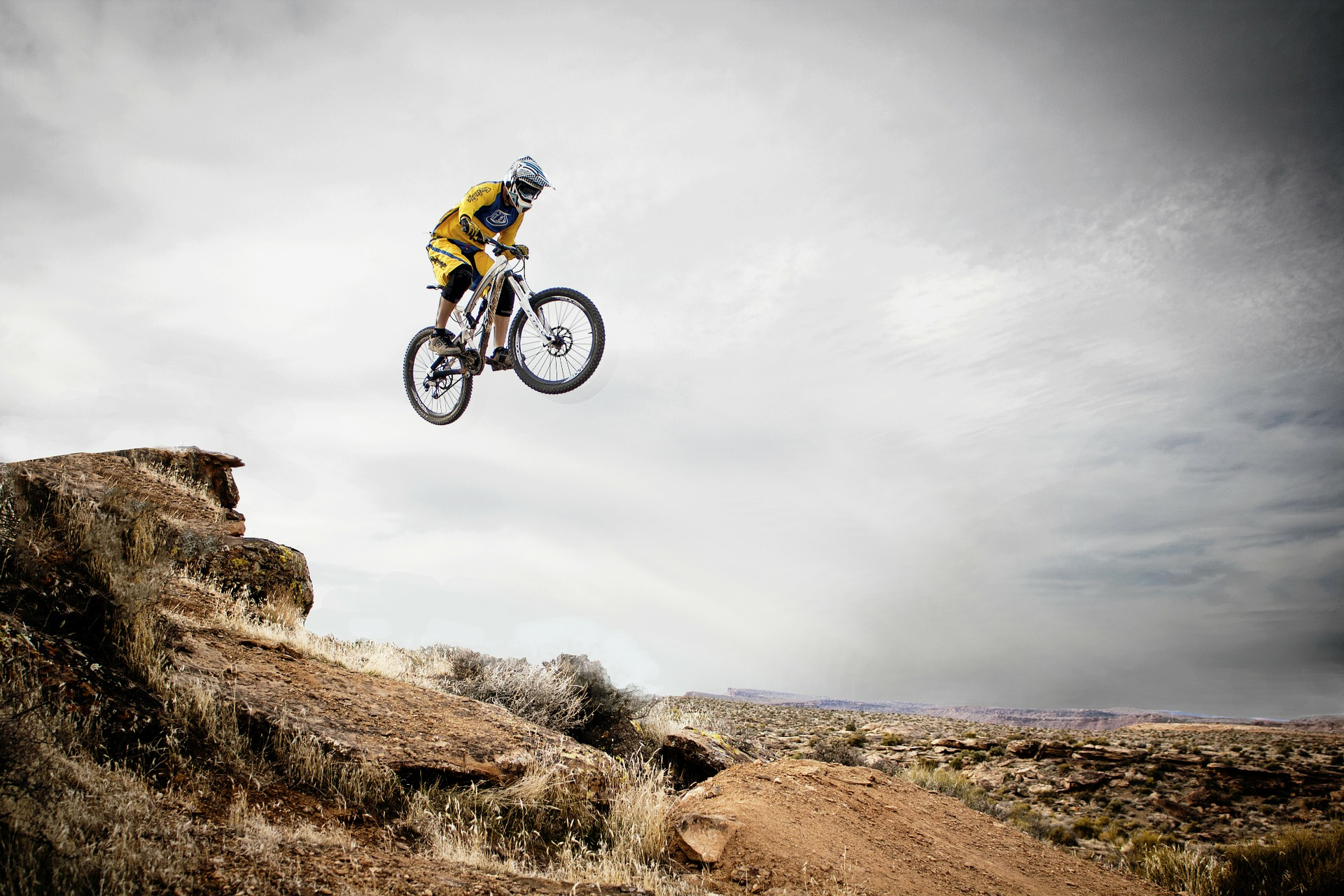 велосипедист, прыжок, риск, действия, конец - Обои HD - Профессор falken.com