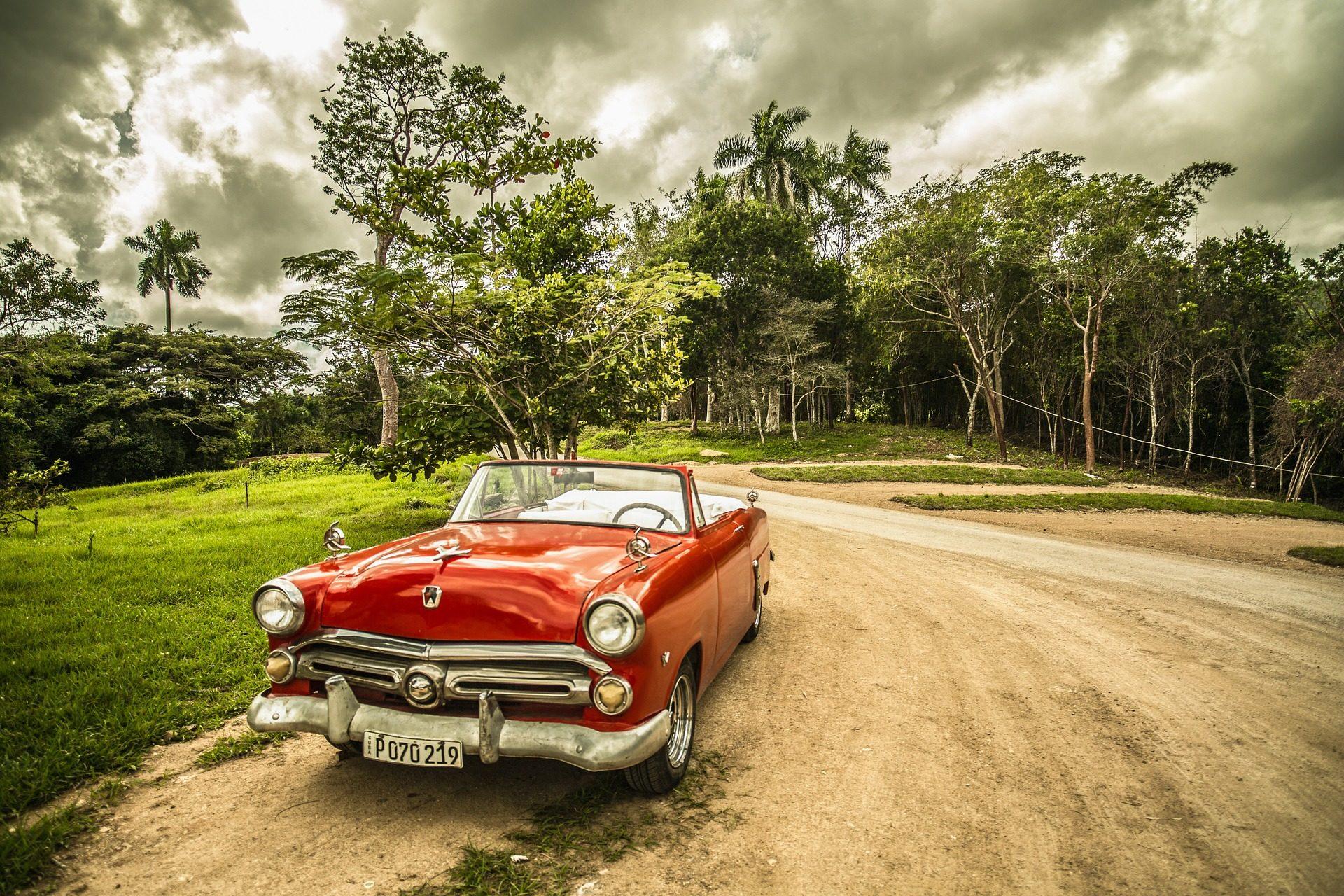 carro, Estrada, floresta, nuvens, árvores - Papéis de parede HD - Professor-falken.com