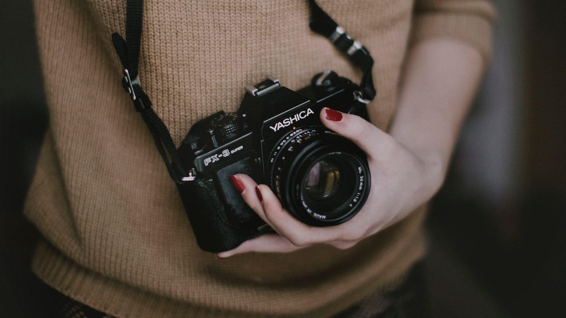 appareil photo, femme, mains, photographie, Vintage - Fonds d'écran HD - Professor-falken.com
