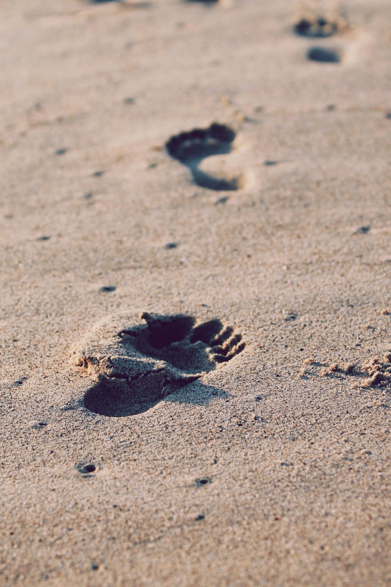 脚印, 脚步声, 沙子, 海滩, 双脚 - 高清壁纸 - 教授-falken.com