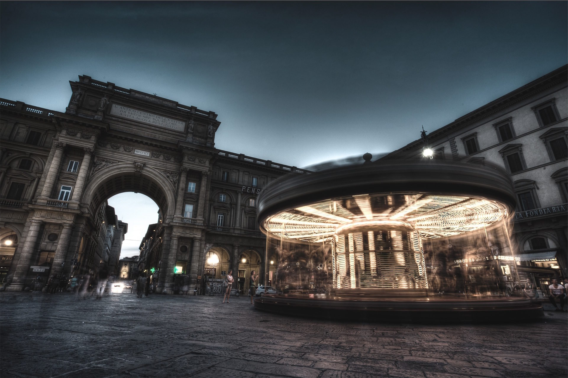 Plaza, Attraktion, Licht, Bewegung, Gebäude - Wallpaper HD - Prof.-falken.com