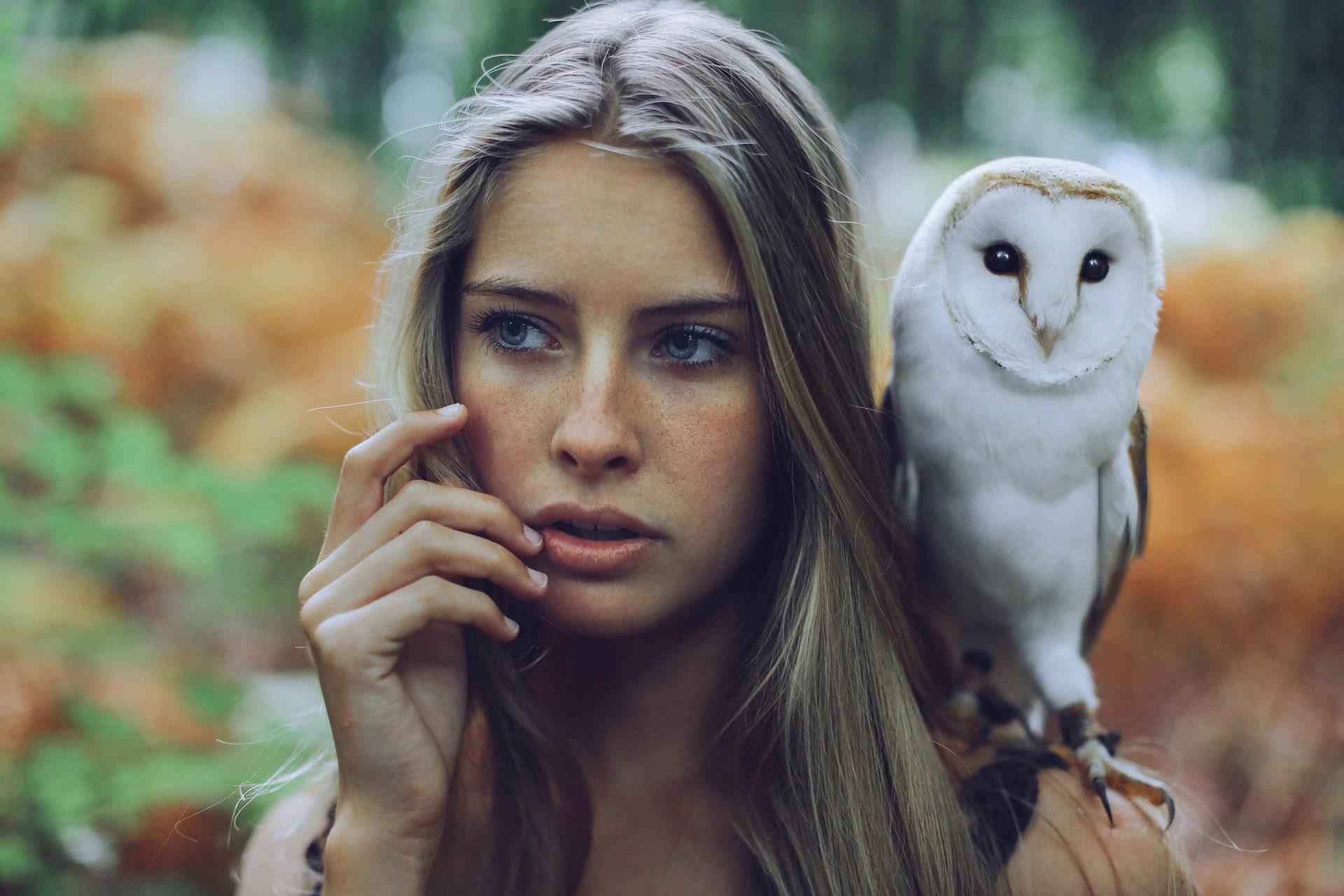женщина, СОВА, Птица, Домашнее животное, Смотреть - Обои HD - Профессор falken.com