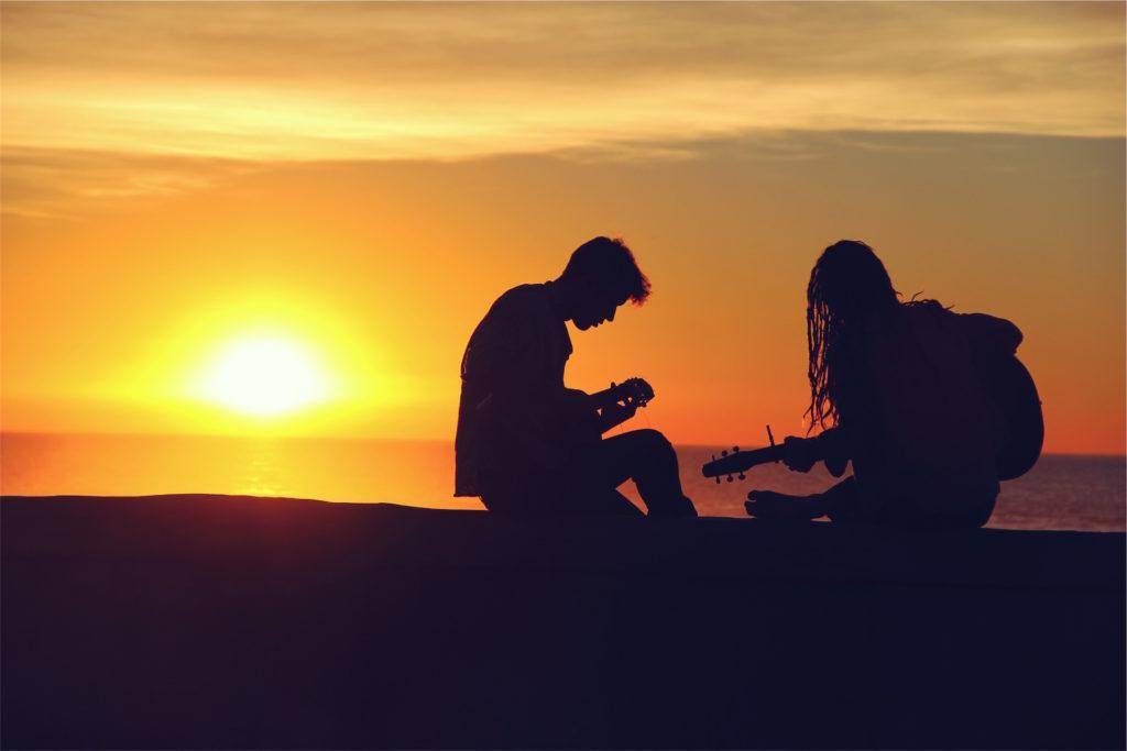 pareja, amigos, música, guitarras, atardecer, 1610220824