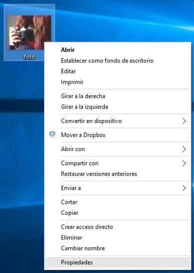 Cómo eliminar la información personal y sensible de tus fotos en Windows 10 - Image 1 - professor-falken.com