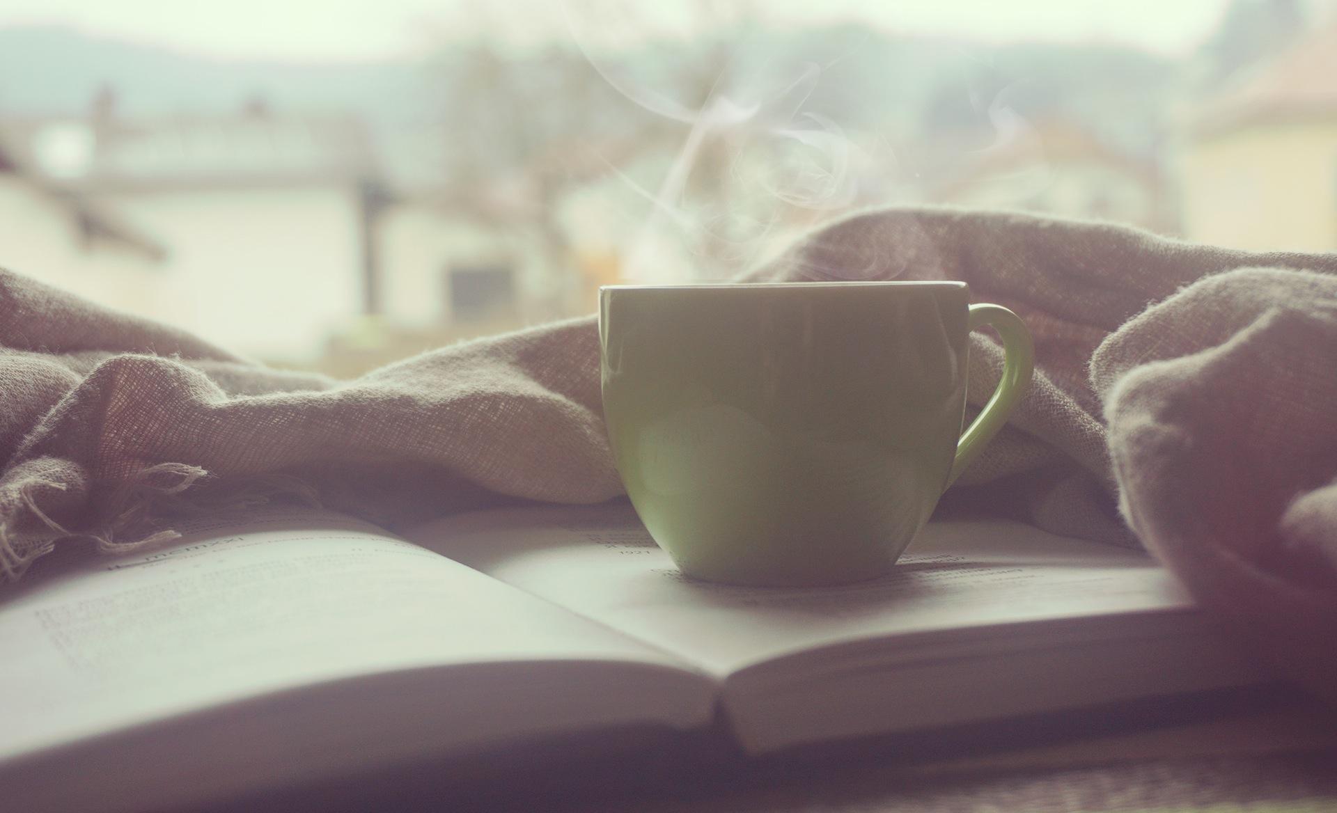 Kaffee, Tasse, Buch, Lesen, Ich bin Student, Tasse Kaffee - Wallpaper HD - Prof.-falken.com