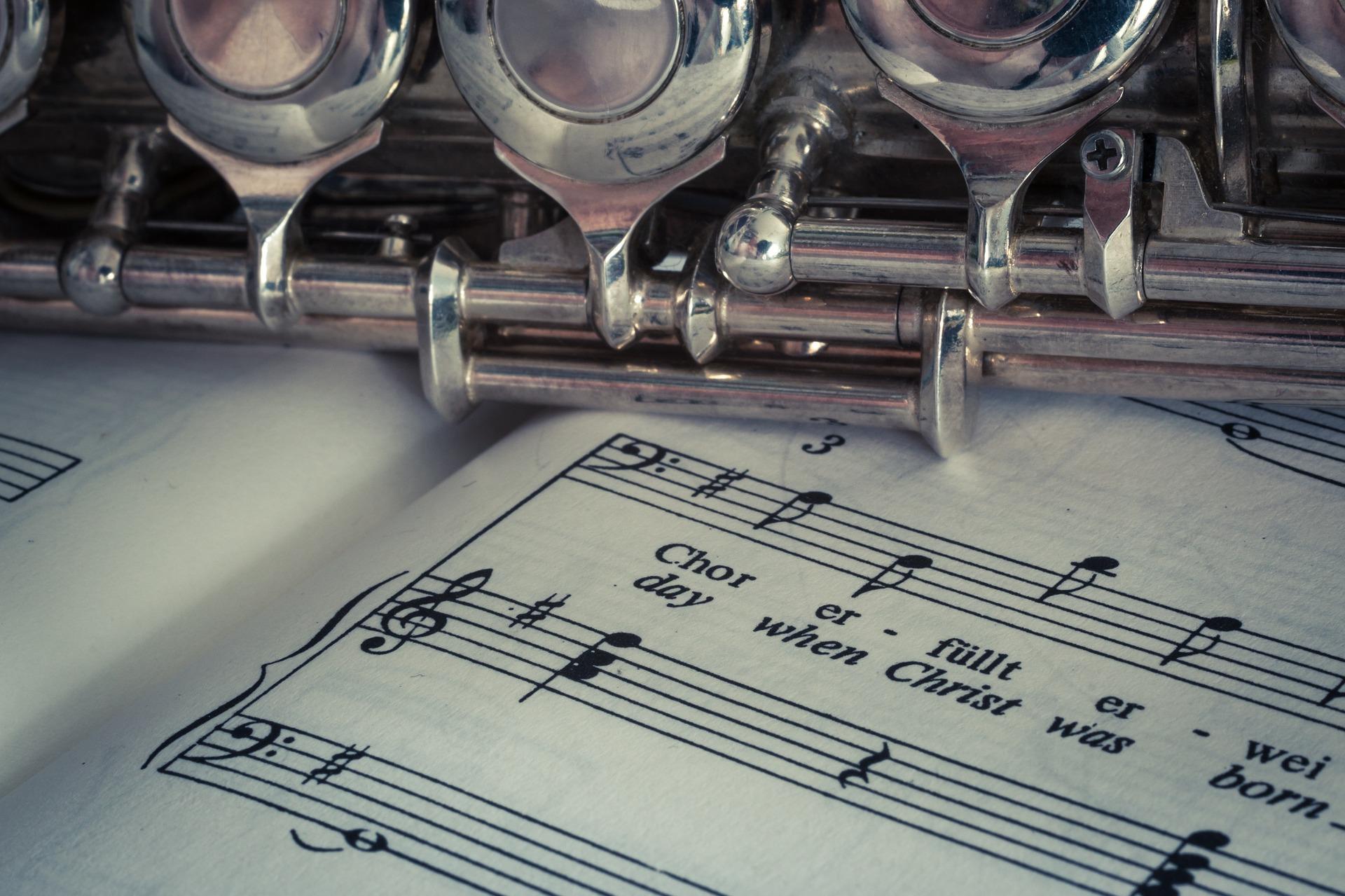 flauta, partitura, instrumento musical, pentagrama, notas musicales, flauta travesera, plateado - Fondos de Pantalla HD - professor-falken.com
