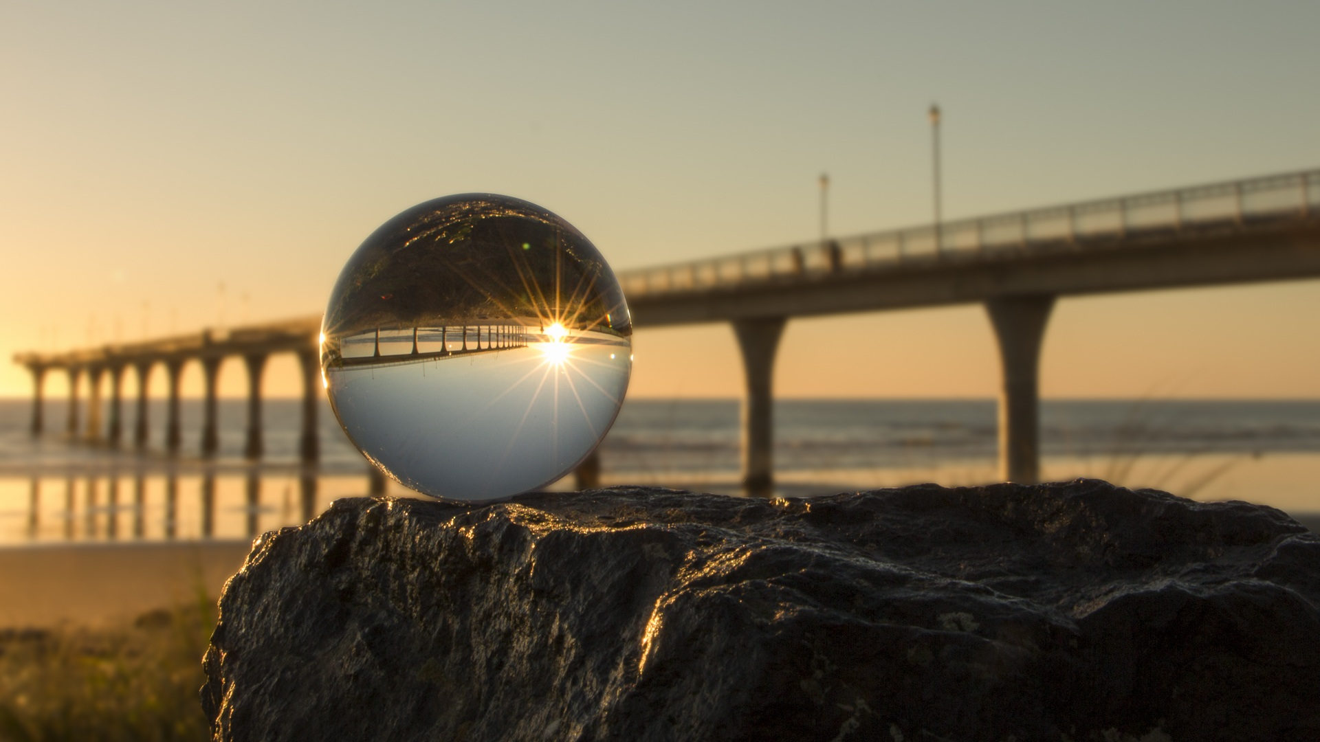 New brighton, Crystal ball, Brücke, Meer, Helligkeit, Himmel, Steinen - Wallpaper HD - Prof.-falken.com