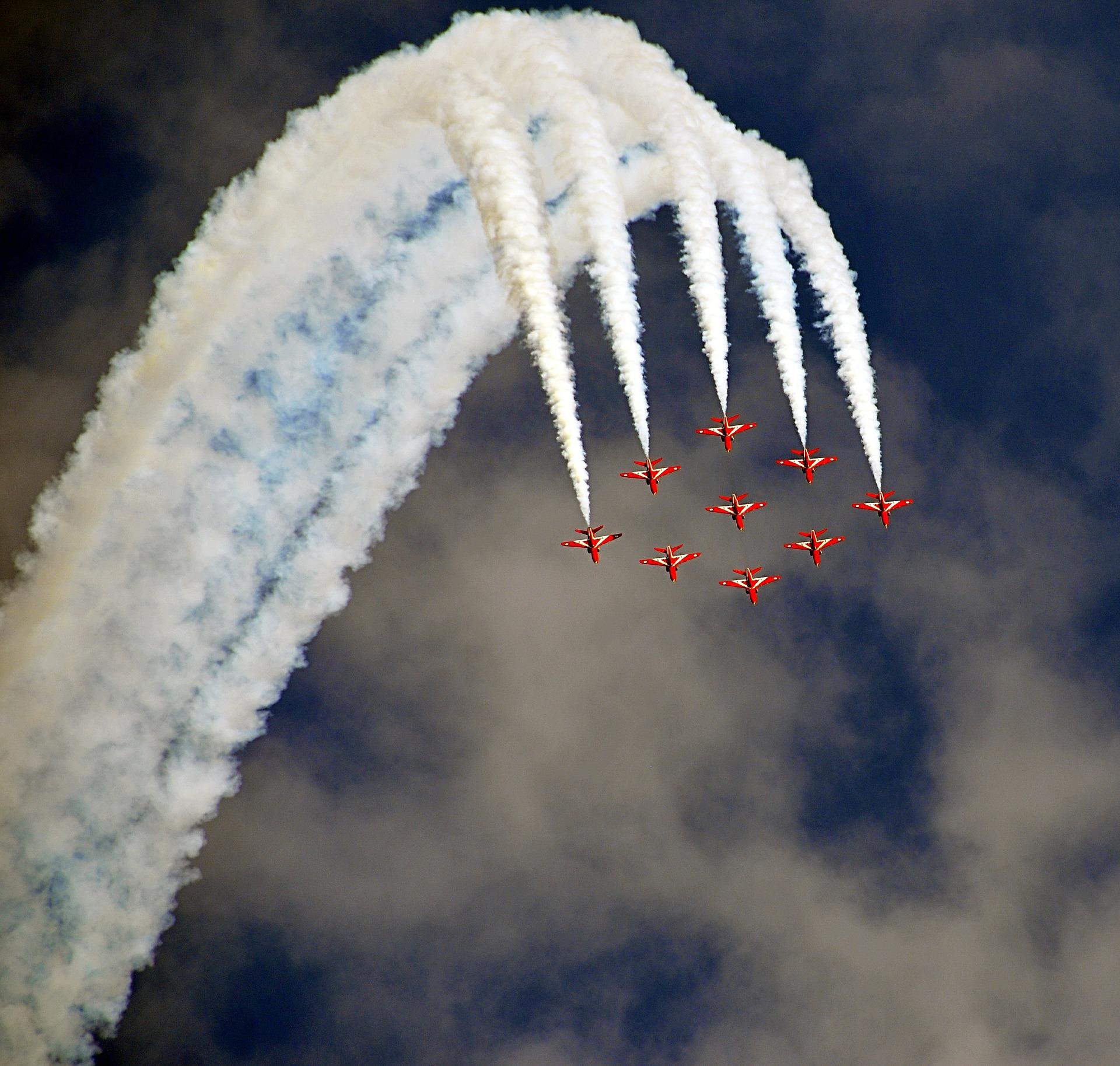 航空機, ショー, アクロバット, 飛ぶ, 煙 - HD の壁紙 - 教授-falken.com