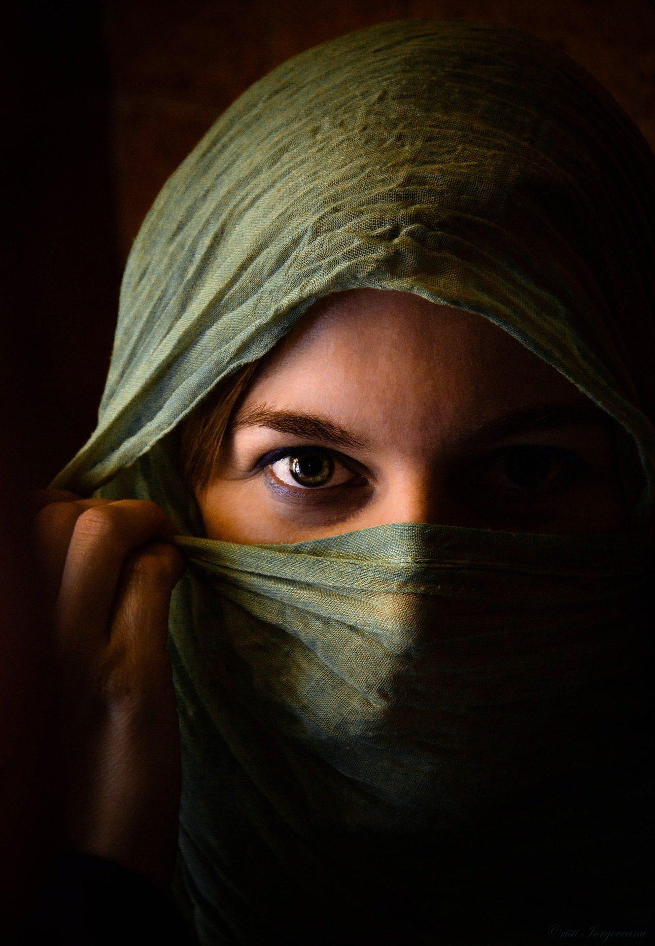 donna, occhi, velo, sciarpa, sguardo - Sfondi HD - Professor-falken.com
