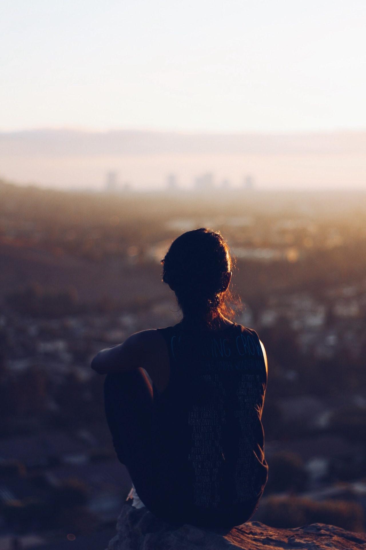 meditación, relax, pensamientos, soledad, ciudad - Fondos de Pantalla HD - professor-falken.com