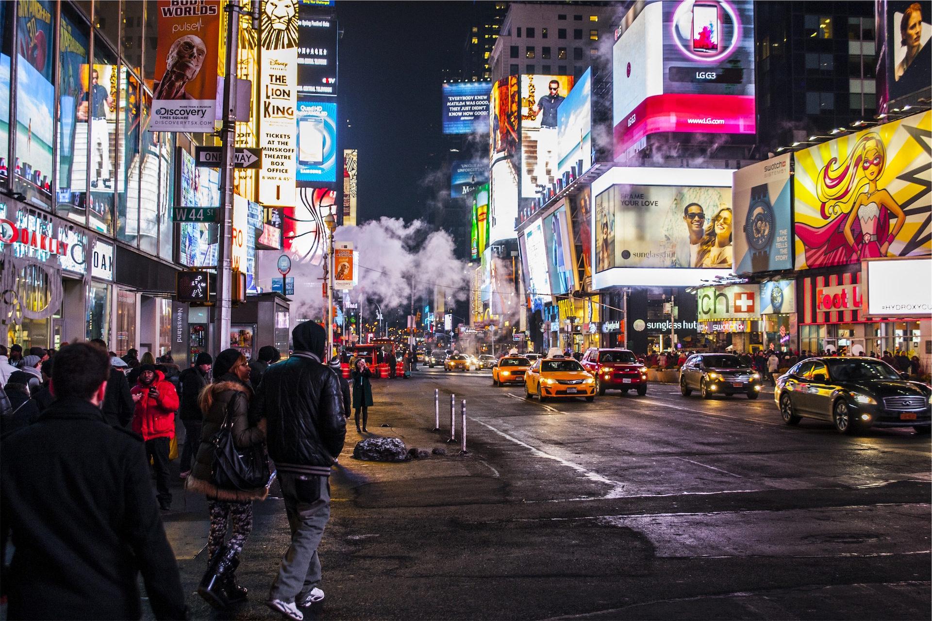 nuit, trafic, bâtiments, lumières, annonces - Fonds d'écran HD - Professor-falken.com