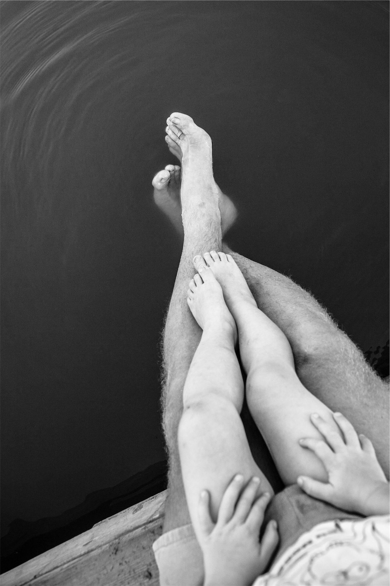 ноги, футов, отец, сын, в черно-белом - Обои HD - Профессор falken.com