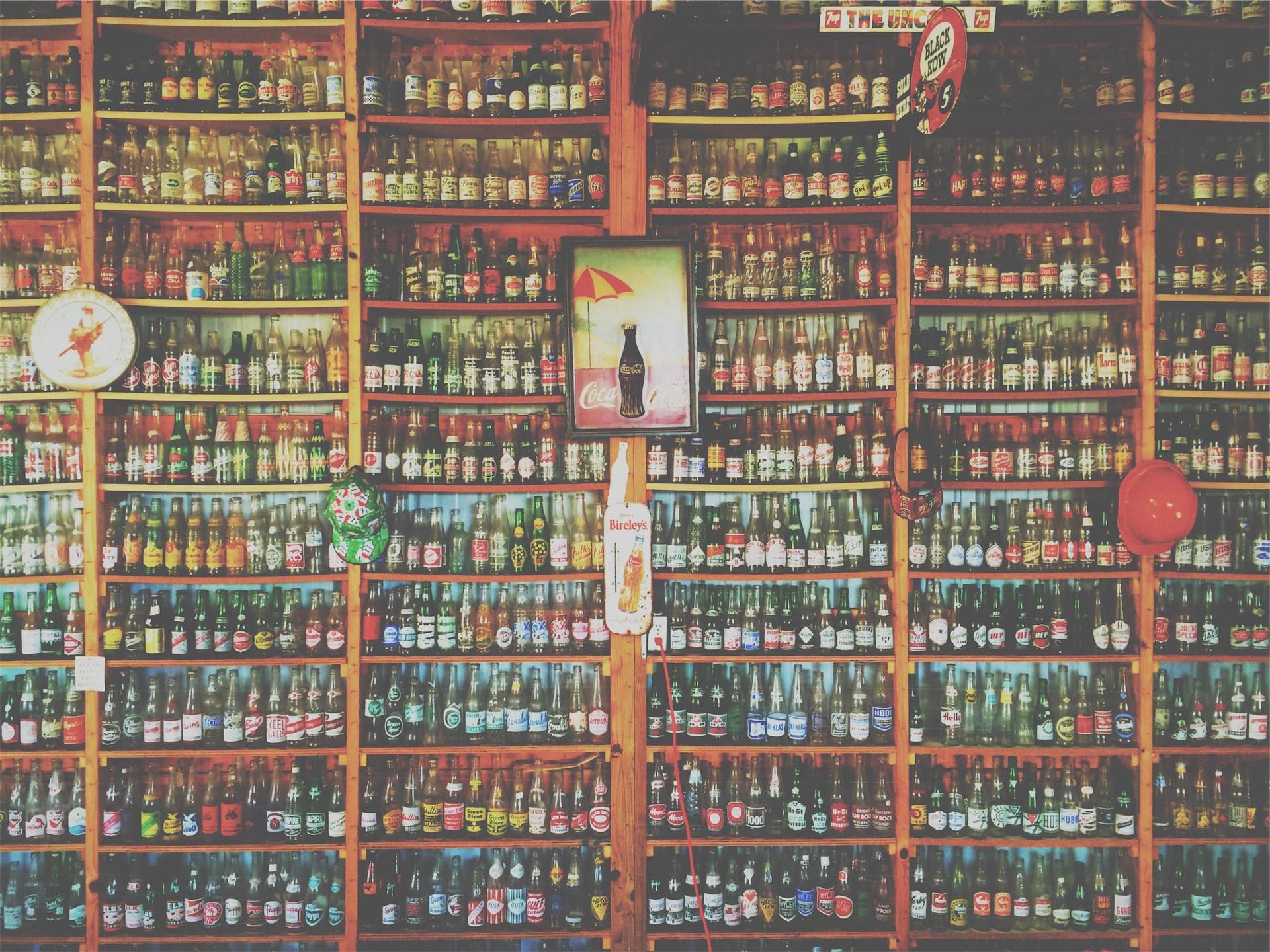 bottiglie, bevande analcoliche, birra, scaffalature, collezione - Sfondi HD - Professor-falken.com