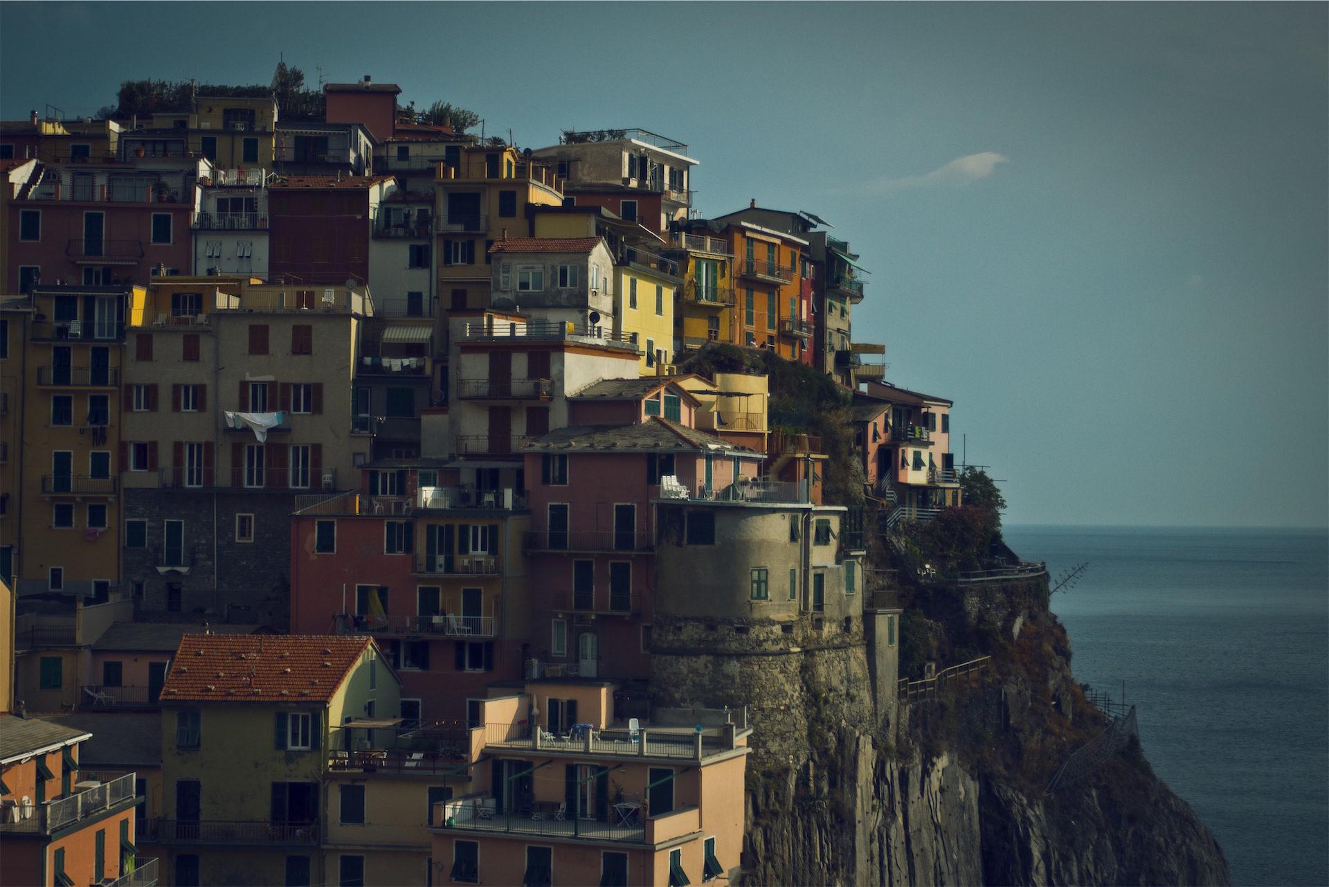 Häuser, bunte, Cliff, Meer, Dorf - Wallpaper HD - Prof.-falken.com