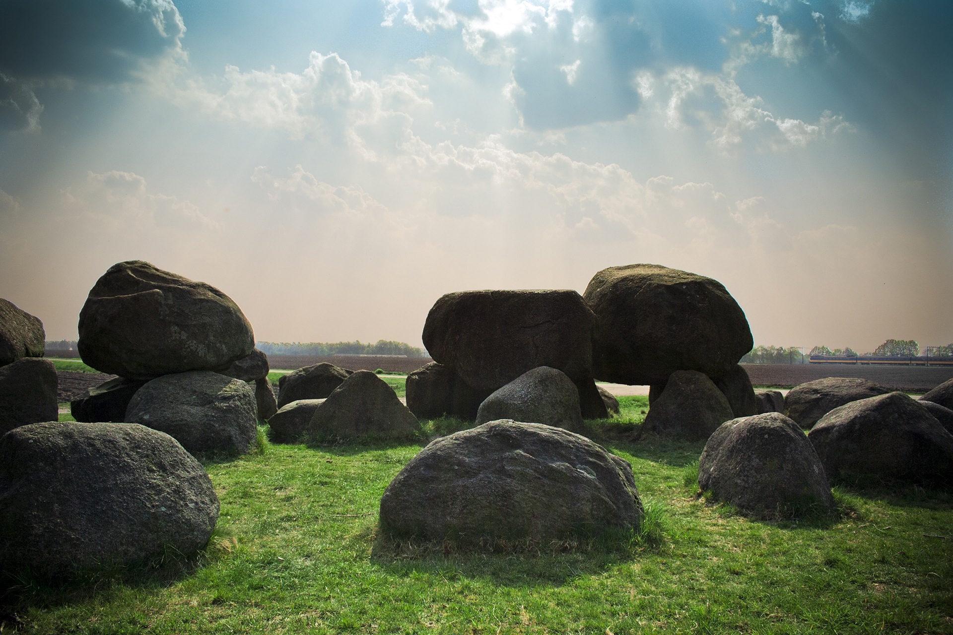 石头, 草坪, 奥, 天空, 光 - 高清壁纸 - 教授-falken.com