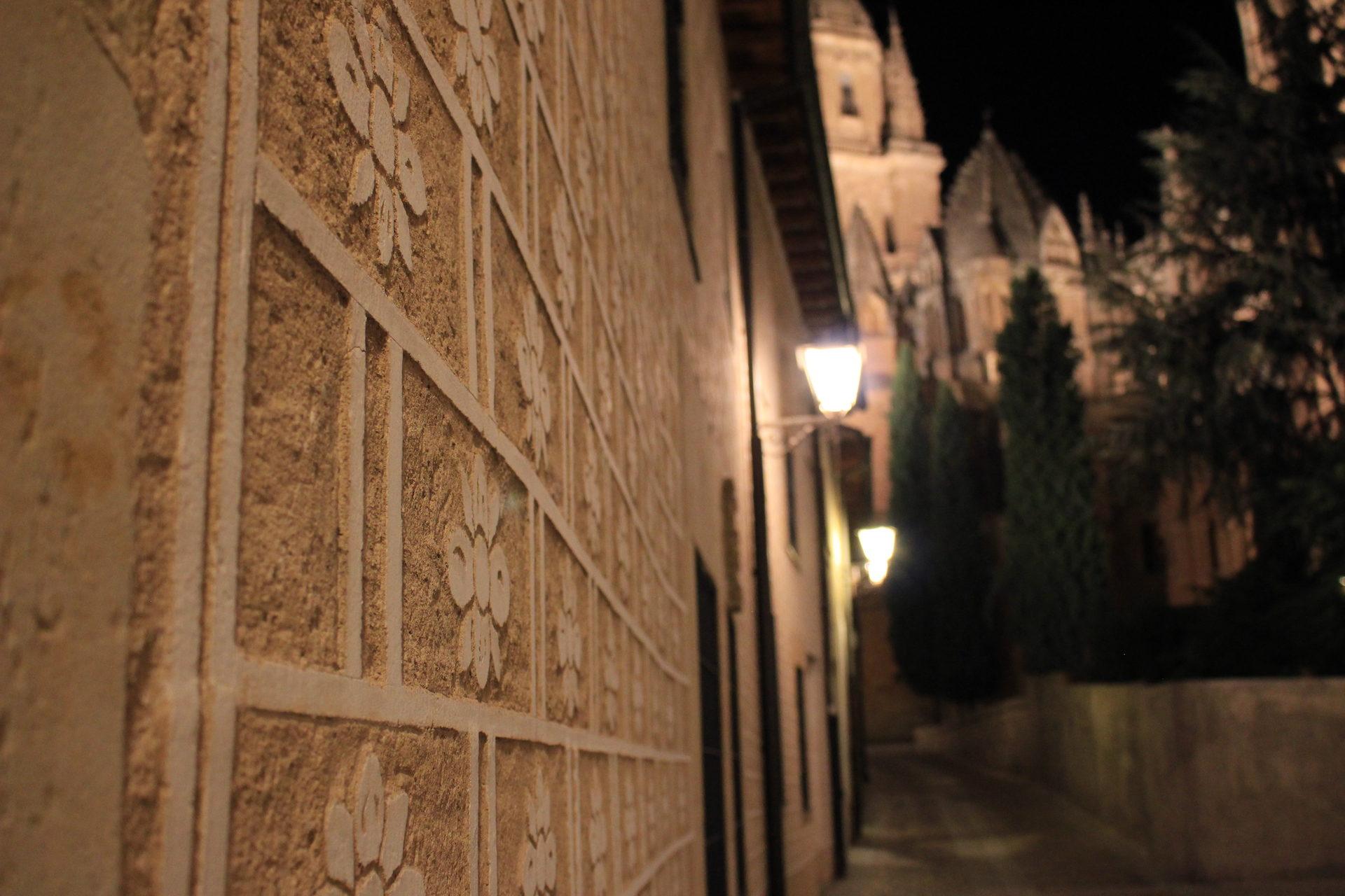 Stadt, Nacht, Straßenlaternen, Lichter, Salamanca, Spanien - Wallpaper HD - Prof.-falken.com