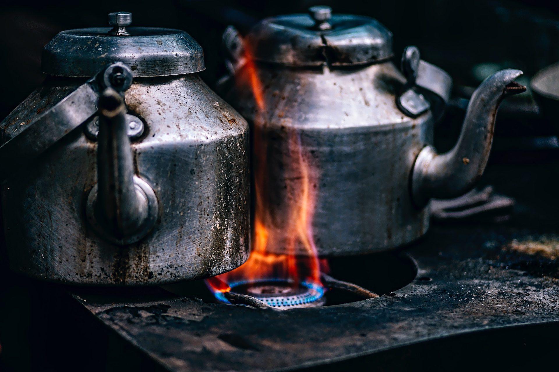 اباريق الشاي, القهوة, موقد, الغاز, الحريق, الشعلة, الاوساخ - خلفيات عالية الدقة - أستاذ falken.com