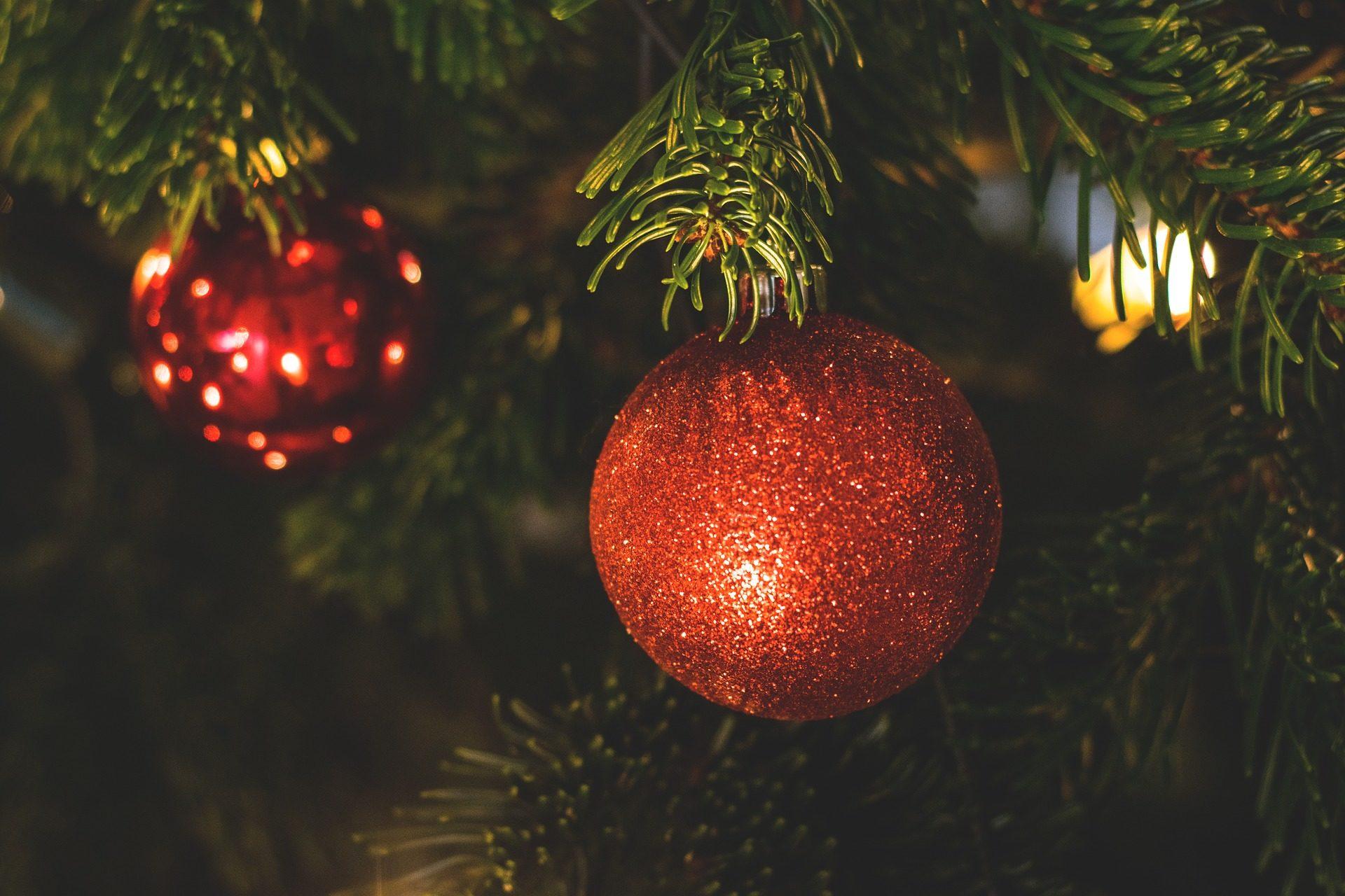 गेंदों, पेड़, प्राथमिकी, sheens, लाल, क्रिसमस - HD वॉलपेपर - प्रोफेसर-falken.com