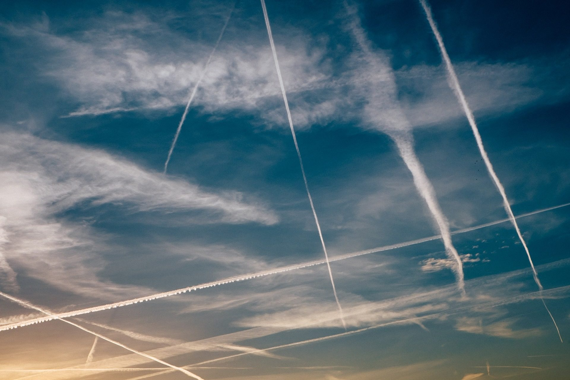 Ουρανός, σύννεφα, επιτύμβιες στήλες, αεροσκάφη, Ηλιοβασίλεμα - Wallpapers HD - Professor-falken.com