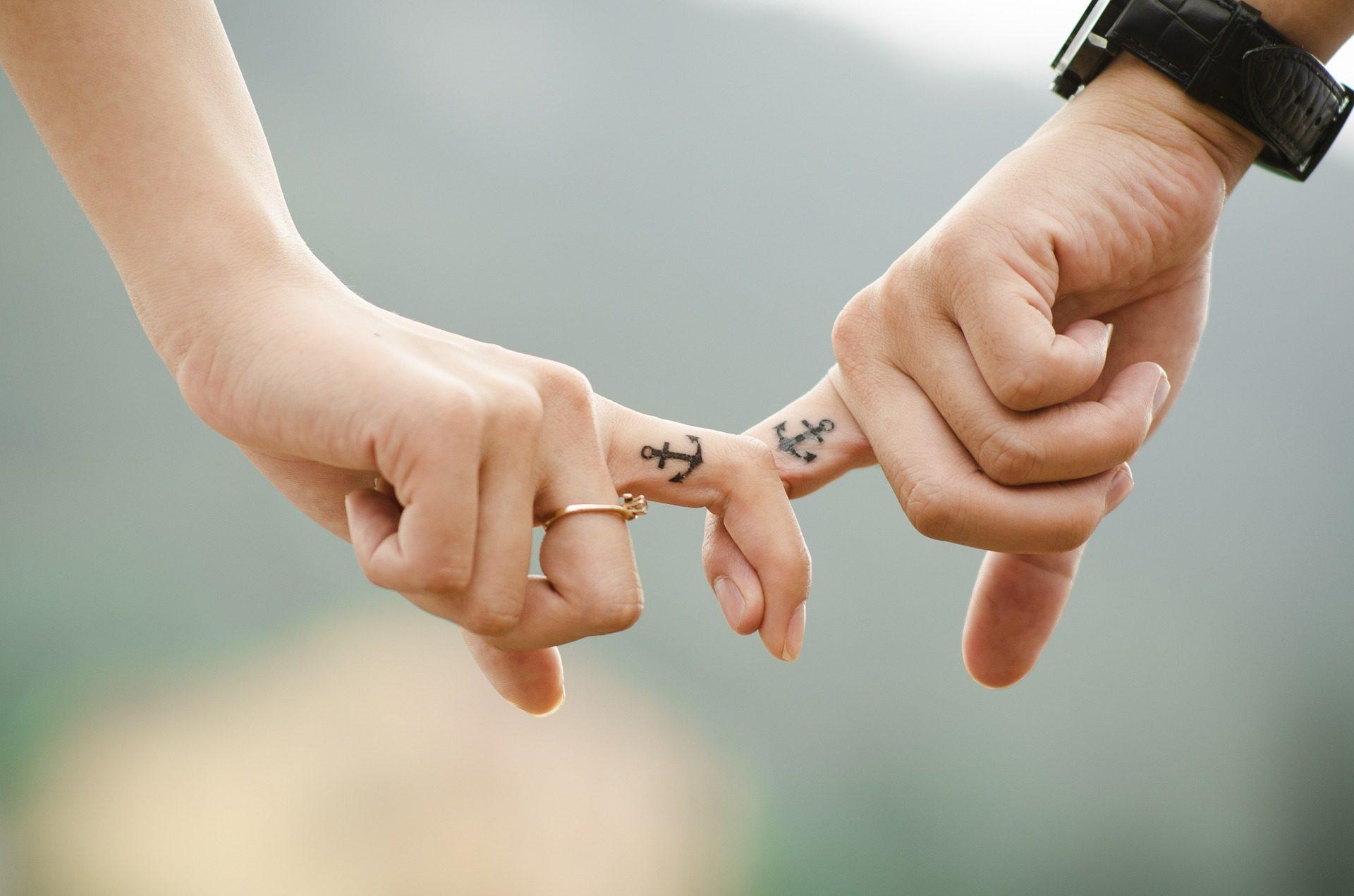 手, 指, 入れ墨, リンク, アンカー, 愛 - HD の壁紙 - 教授-falken.com