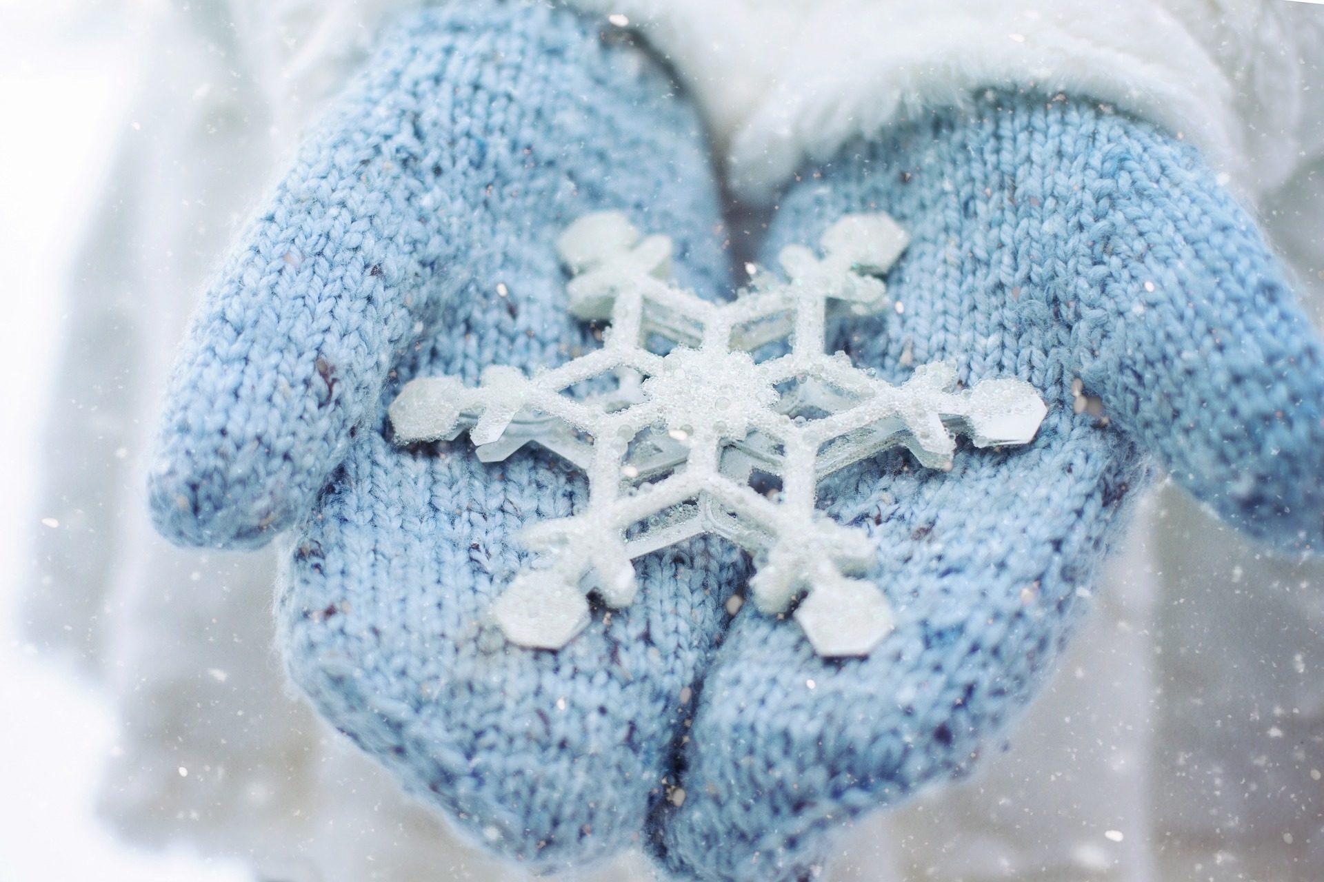 أيدي, قفازات, رقائق, الثلج, الباردة, فصل الشتاء - خلفيات عالية الدقة - أستاذ falken.com