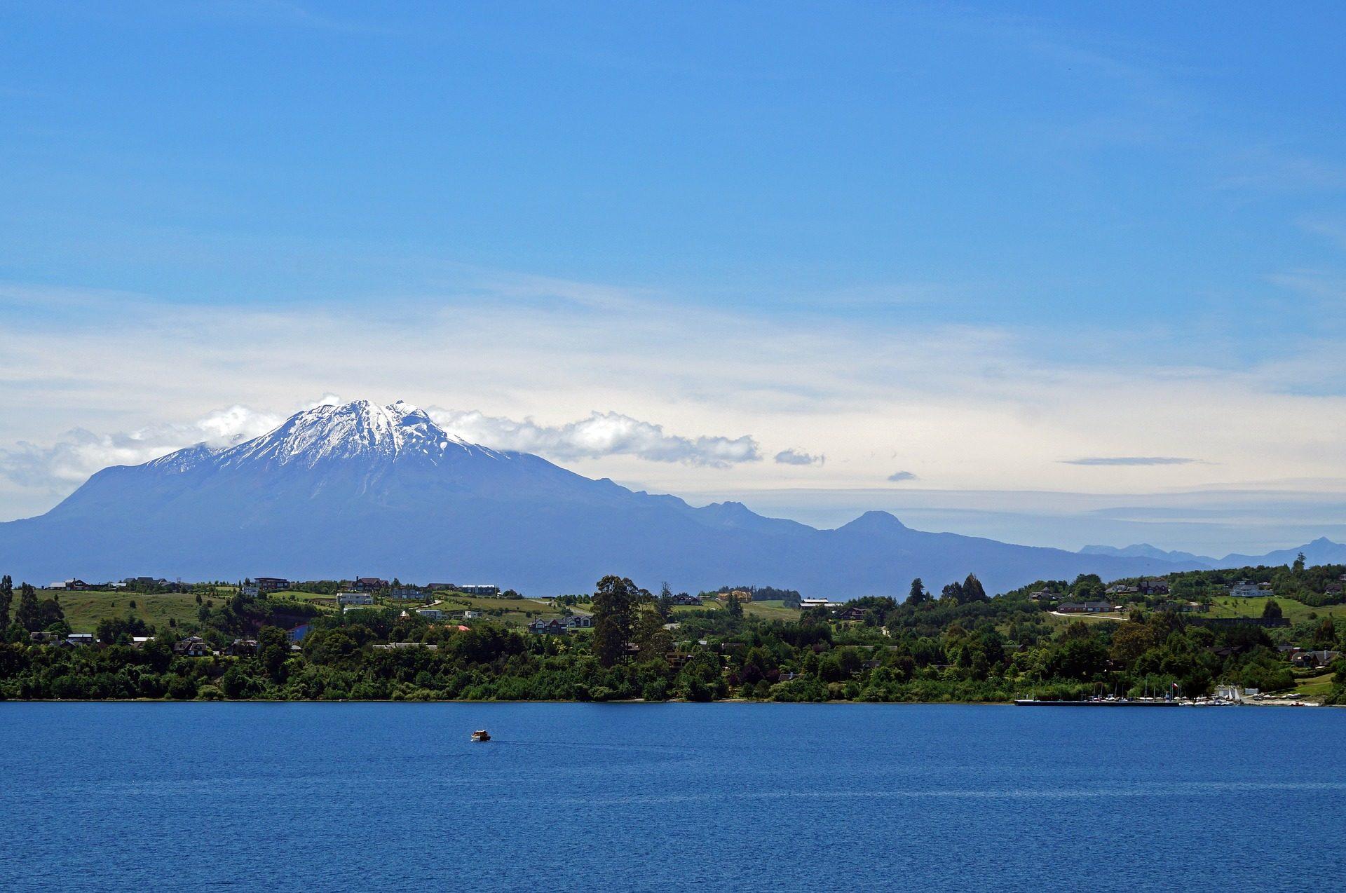 Berg, Vulkan, Himmel, Wolken, Wasser, Calbuco, Puerto varas, Chile - Wallpaper HD - Prof.-falken.com