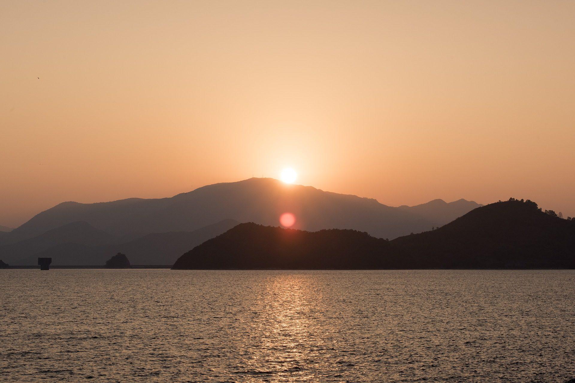 पहाड़ों, सागर, शांत हो, शांति, डॉन द्वारा, आराम - HD वॉलपेपर - प्रोफेसर-falken.com