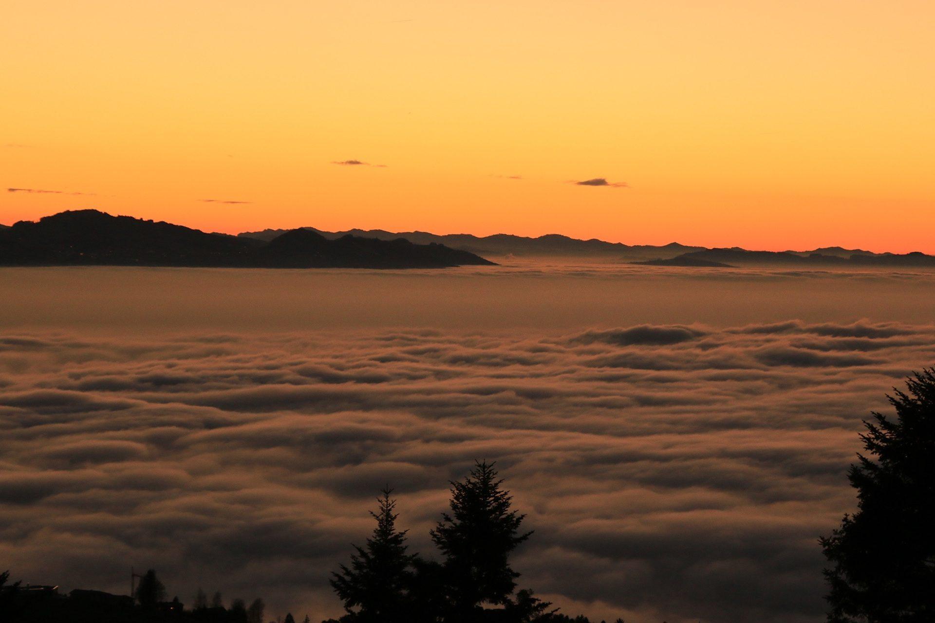 Wolken, Nebel, Berge, Bäume, Himmel, Sonnenuntergang - Wallpaper HD - Prof.-falken.com