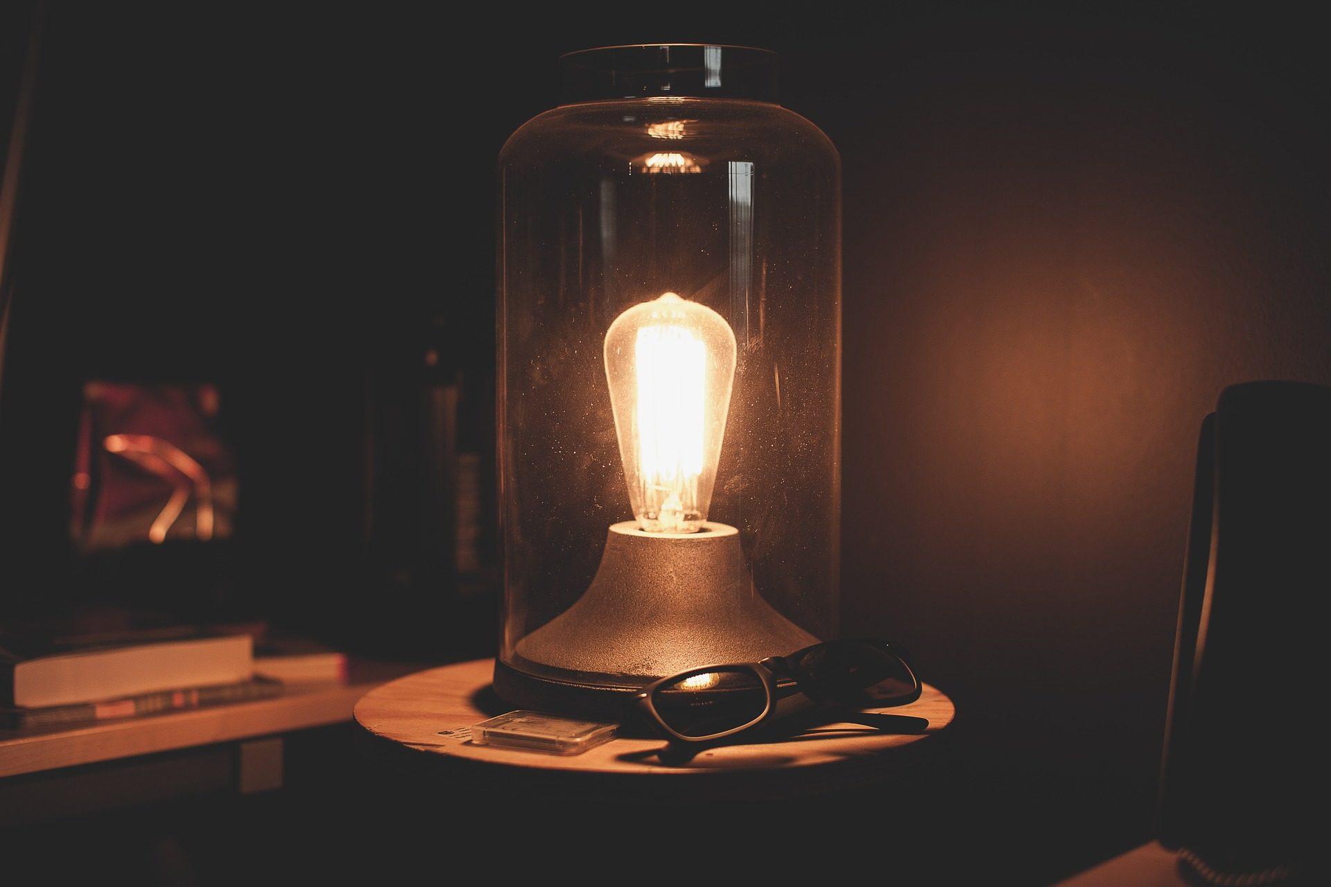 лампа, JAR, свет, накаливания, Кристалл, солнцезащитные очки, Тьма - Обои HD - Профессор falken.com