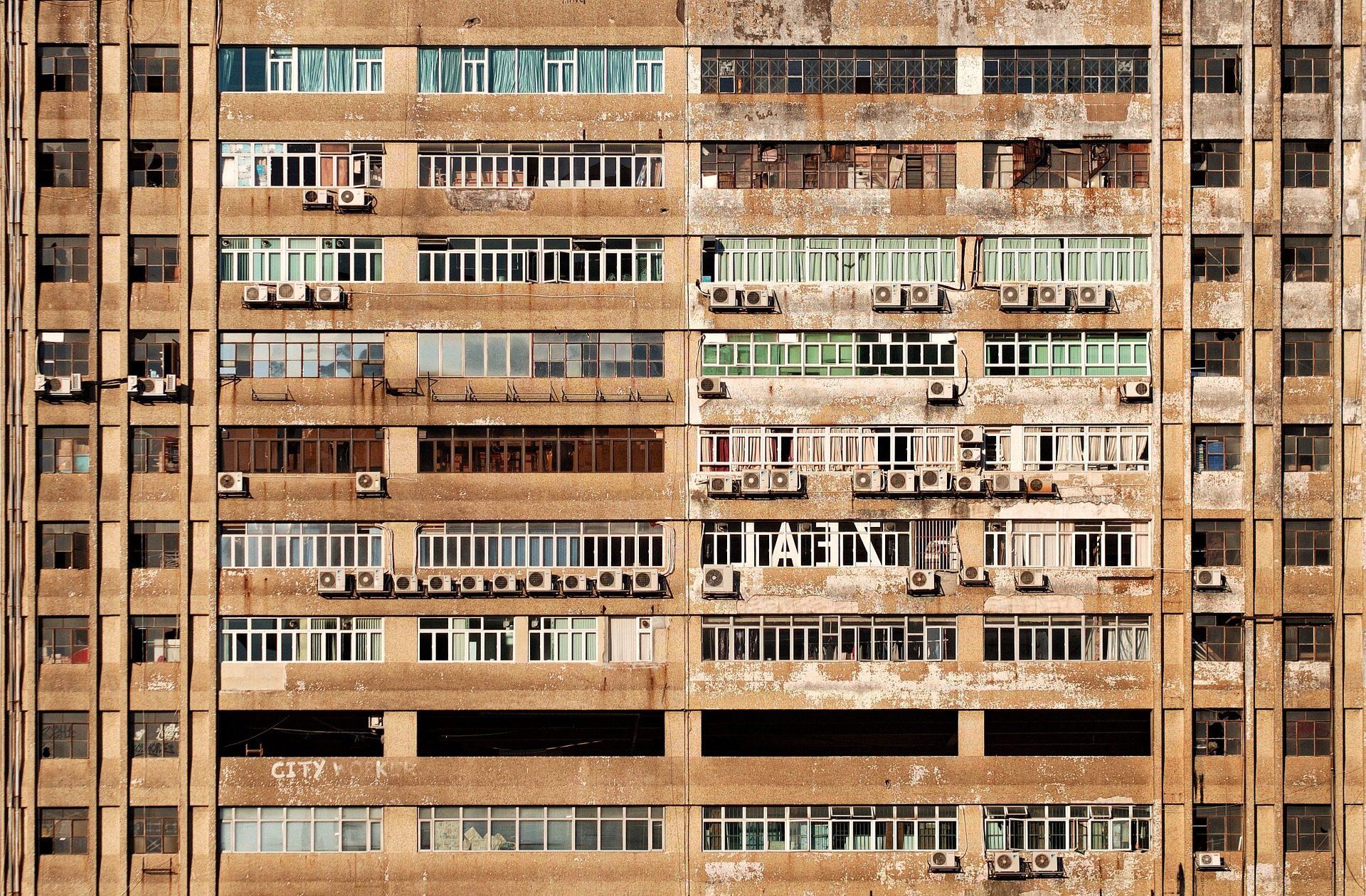 Gebäude, Fassade, Wohnungen, aufgegeben, schmutzige, alt, Klimaanlagen - Wallpaper HD - Prof.-falken.com