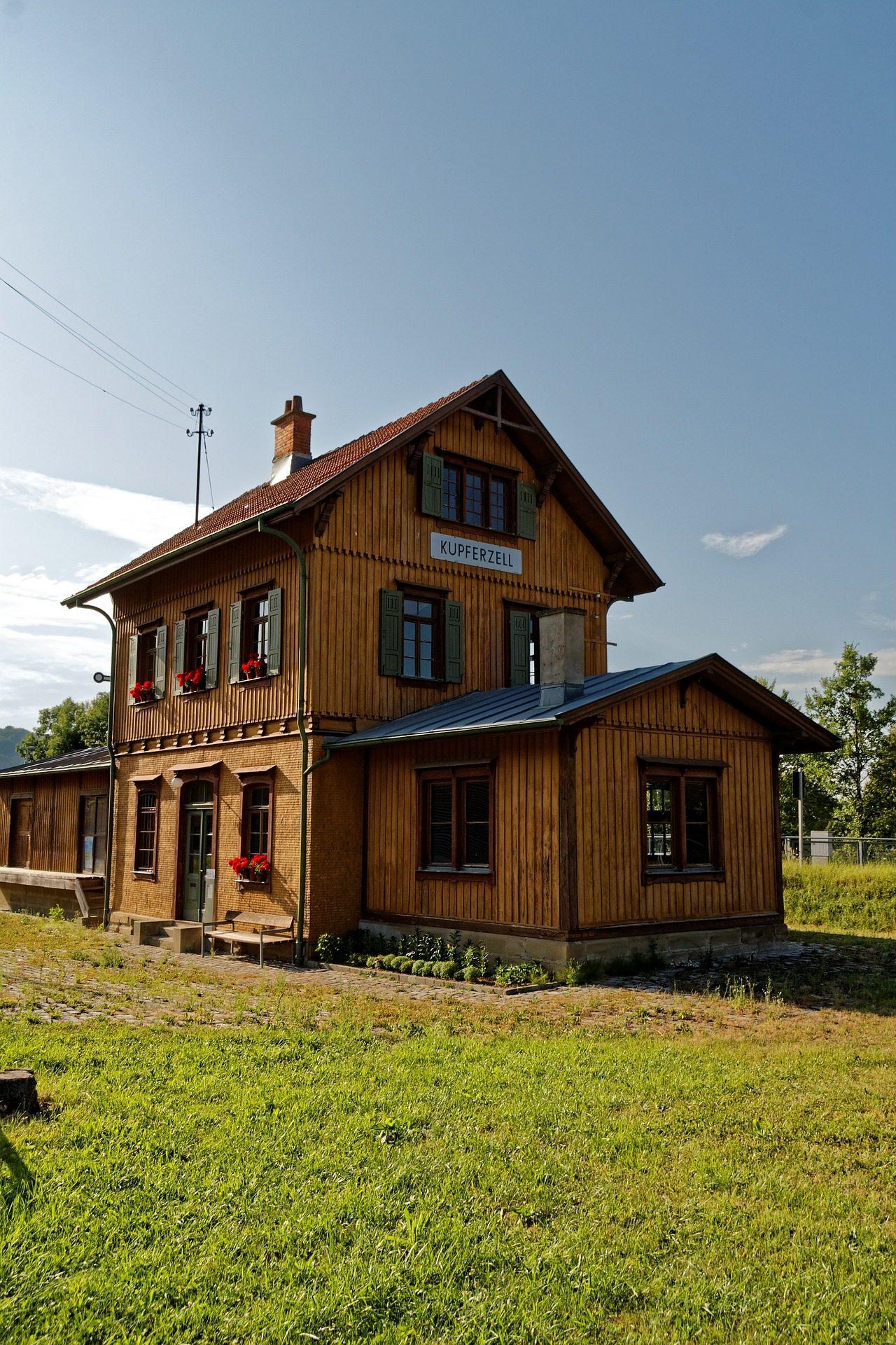 Bahnhof, Zug, Eisenbahn, Haus, Holz, Cabaña - Wallpaper HD - Prof.-falken.com