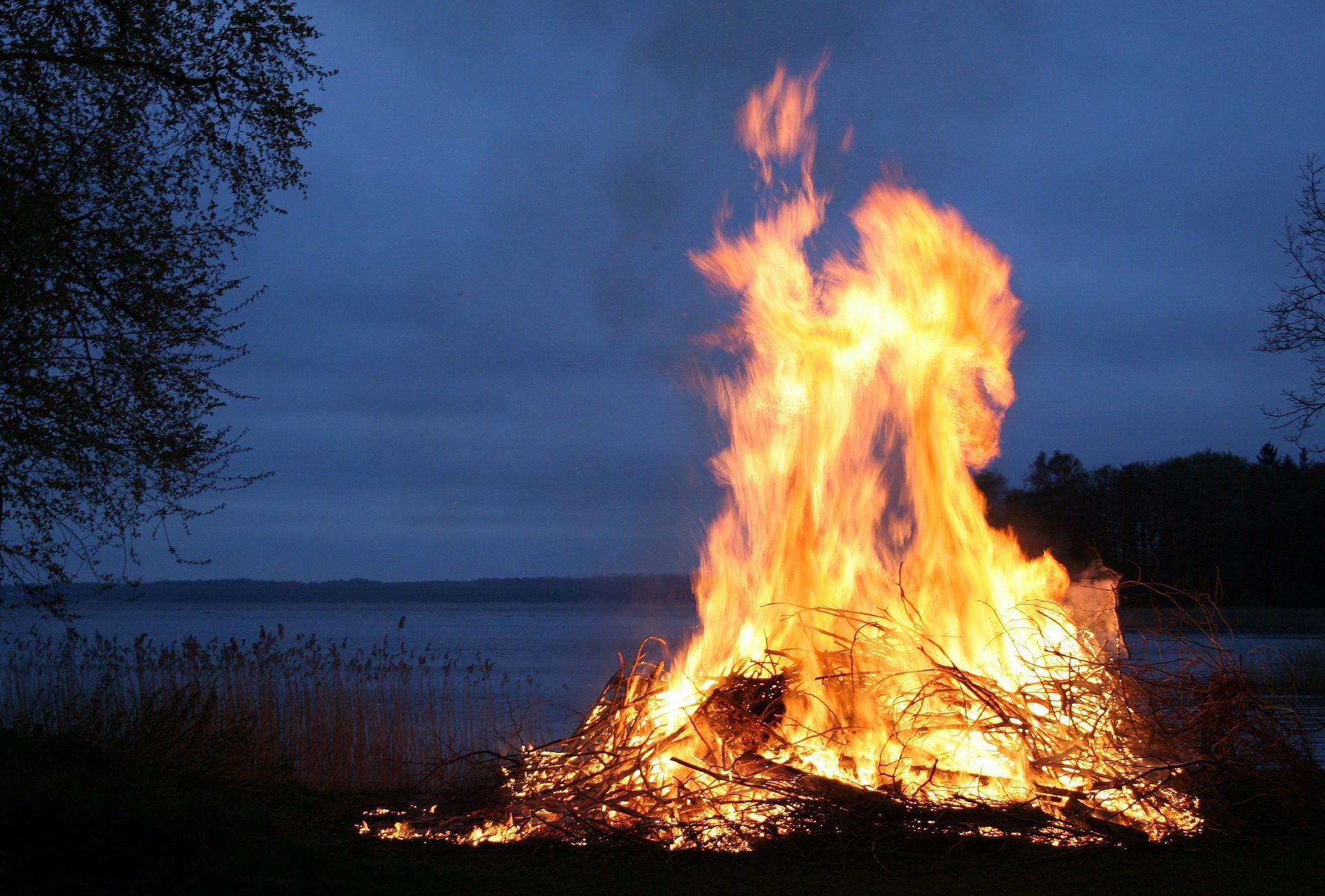 आग, अलाव, candela, रात, झील, गर्मी - HD वॉलपेपर - प्रोफेसर-falken.com
