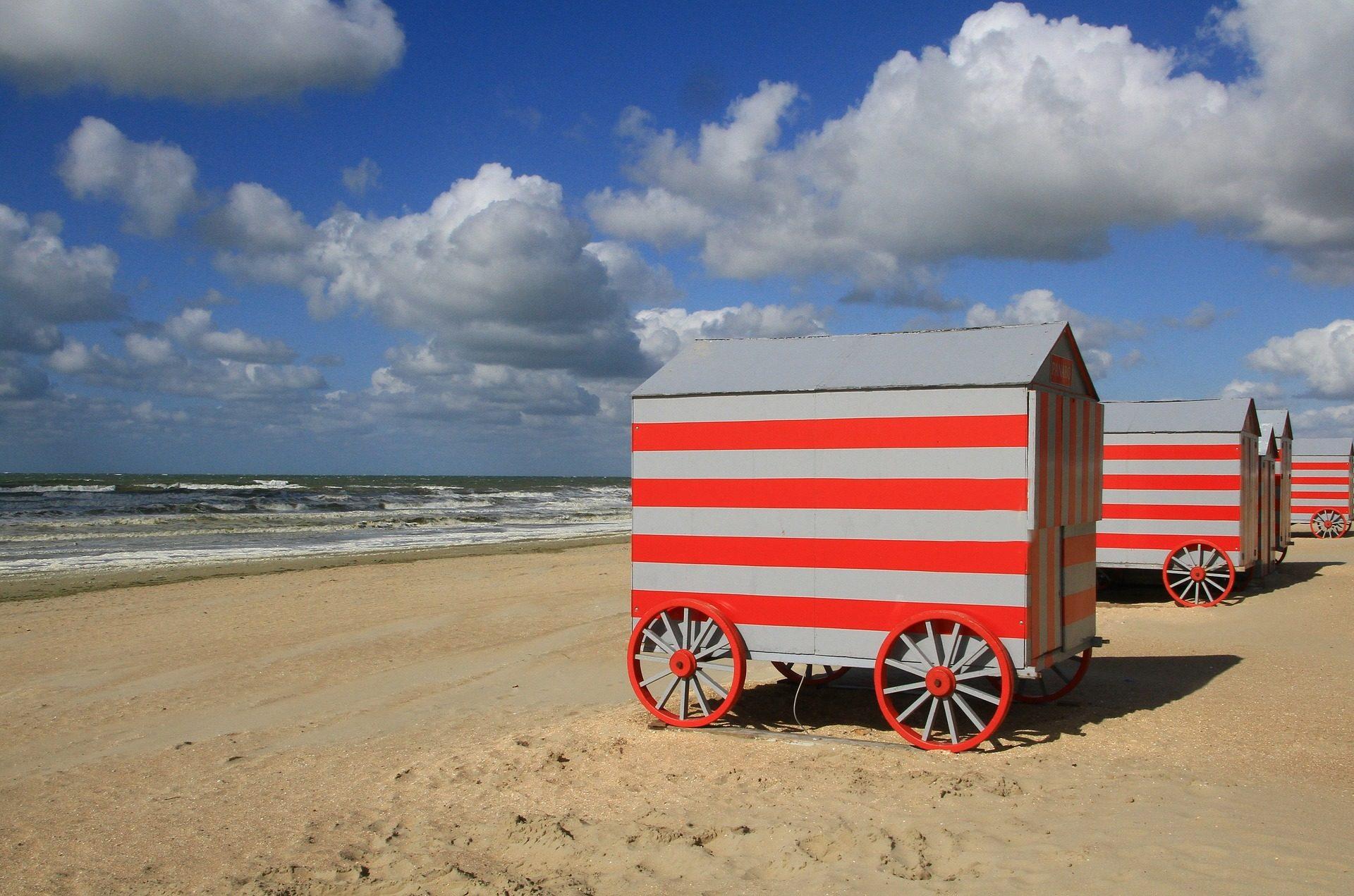 海滩, 小木屋, 车轮, 海, 波, 天空, 云彩 - 高清壁纸 - 教授-falken.com