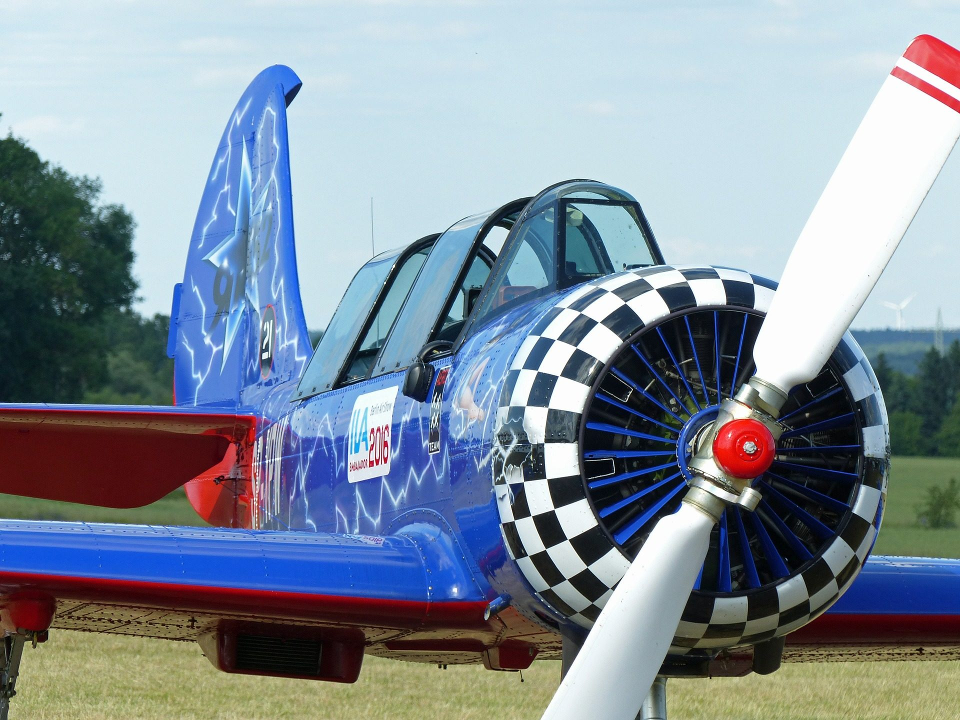 avioneta, hélice, aspas, cabina, alas, jak52 - Fondos de Pantalla HD - professor-falken.com