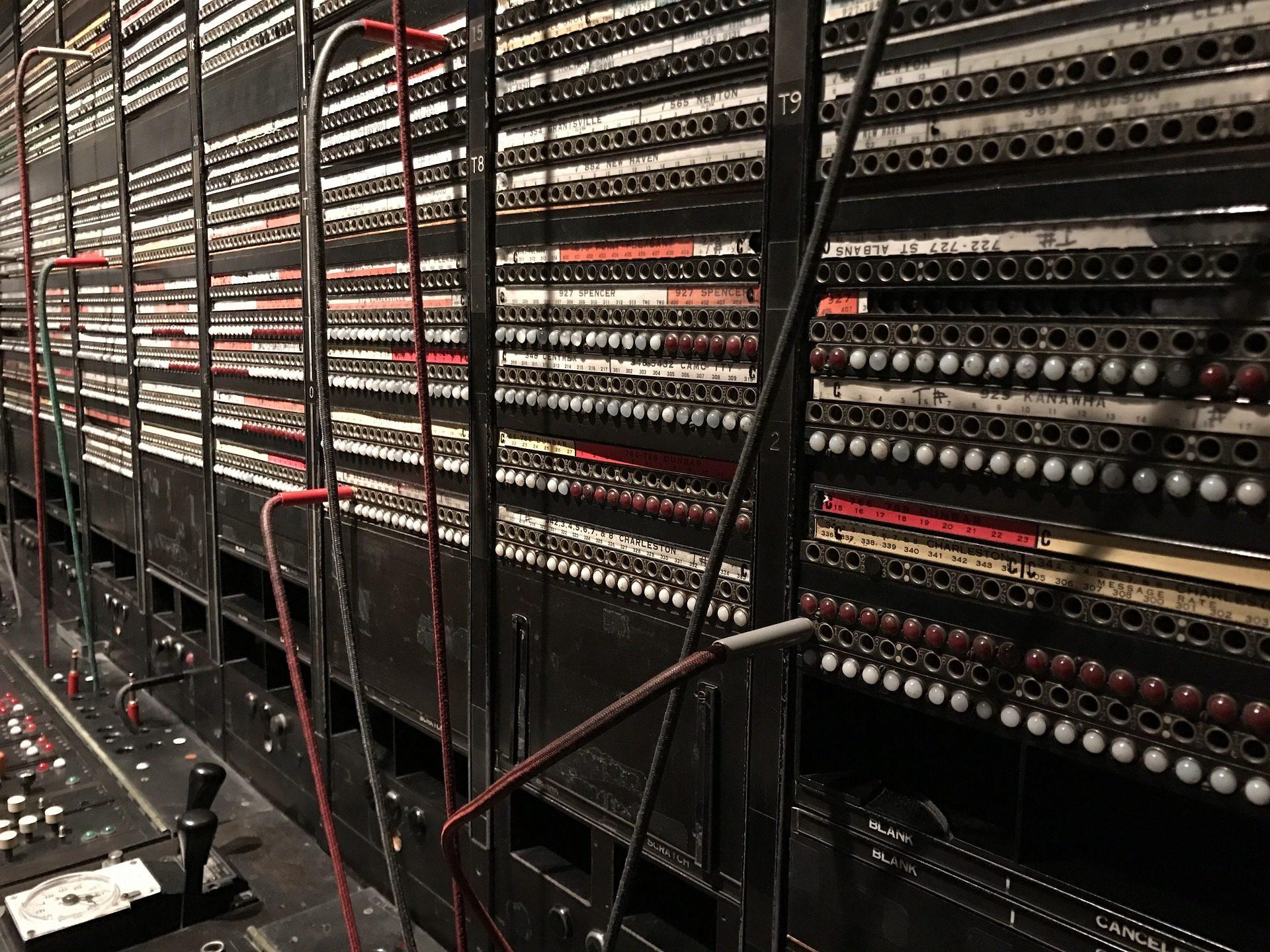 standard téléphonique, téléphonie, vieux, câbles, connexions - Fonds d'écran HD - Professor-falken.com