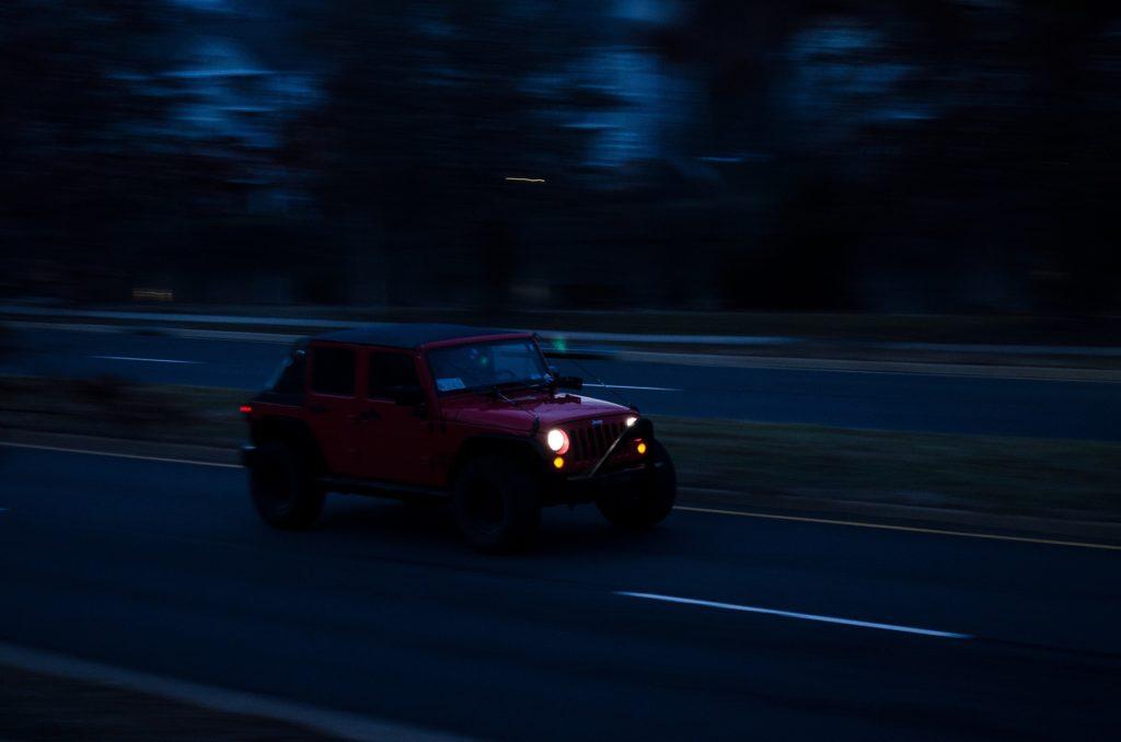 voiture, Jeep, Vitesse, Route, tombée de la nuit, asphalte, 1704250838