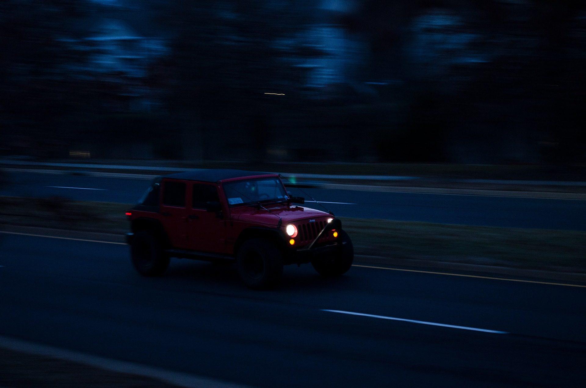 αυτοκίνητο, τζιπ, ταχύτητα, Δρόμου, σούρουπο, ασφάλτου - Wallpapers HD - Professor-falken.com