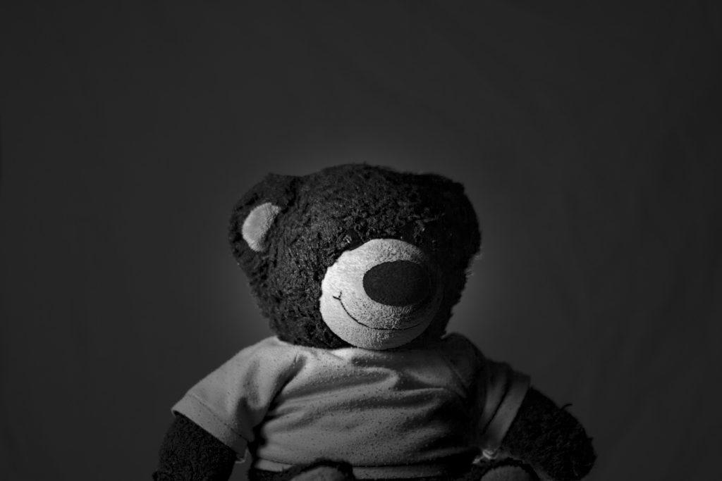 oso, peluche, juguete, suave, en blanco y negro, 1704170832