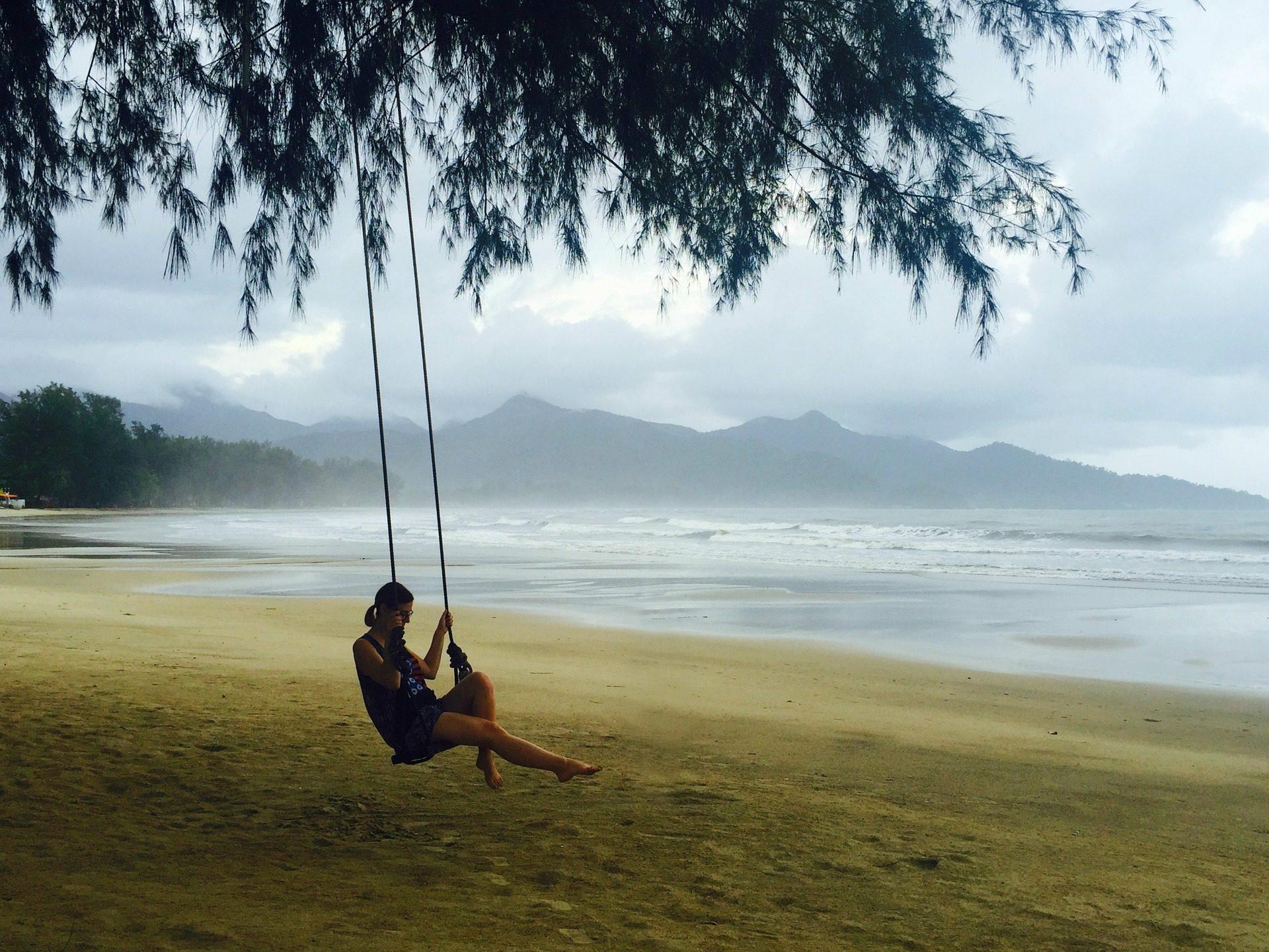 الشاطئ, الرمال, أرجوحة, حبل, شجرة, امرأة, الاسترخاء - خلفيات عالية الدقة - أستاذ falken.com