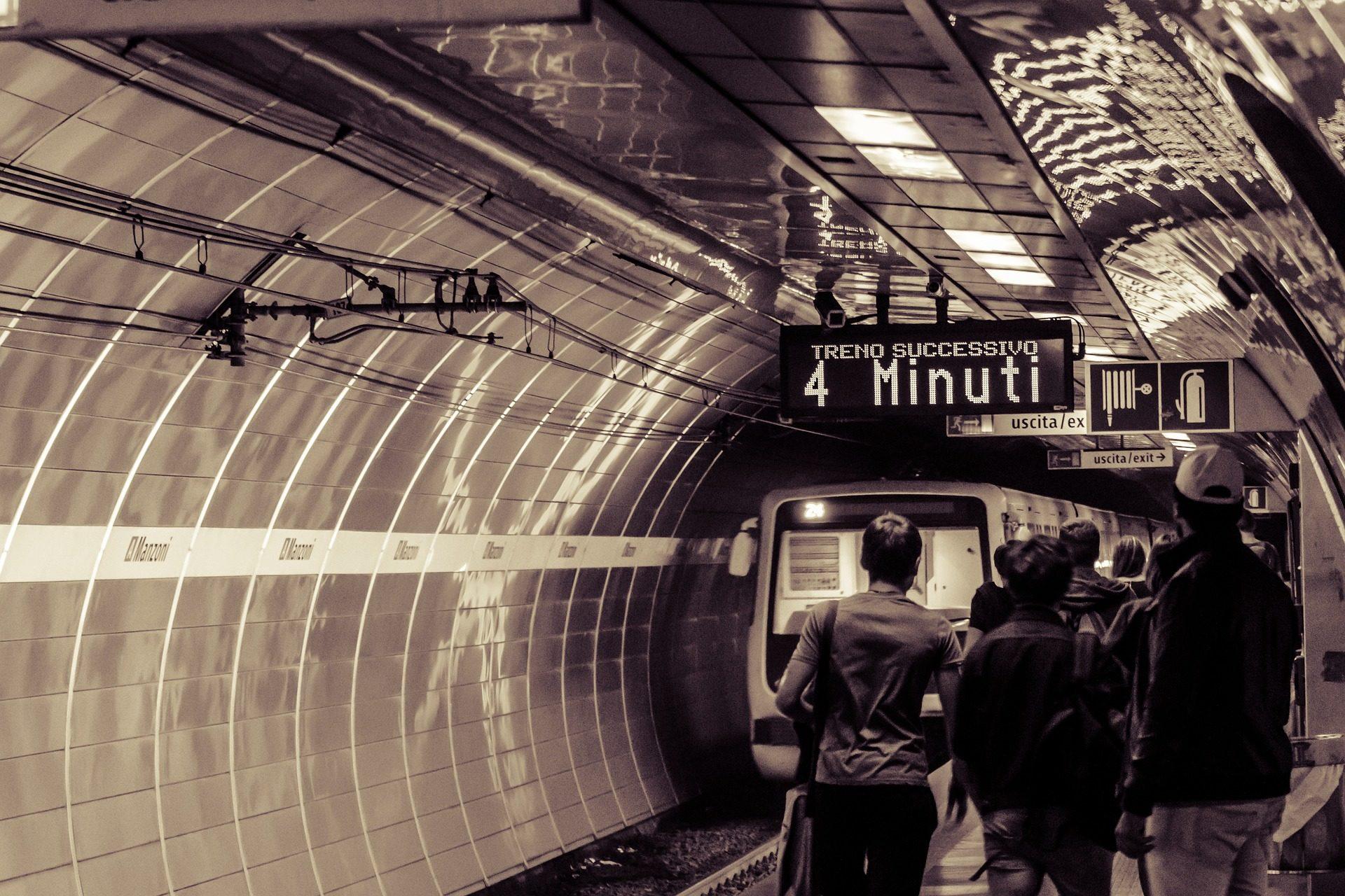 تدريب, مترو, محطة, تحت الأرض, الضواحي, النفق - خلفيات عالية الدقة - أستاذ falken.com