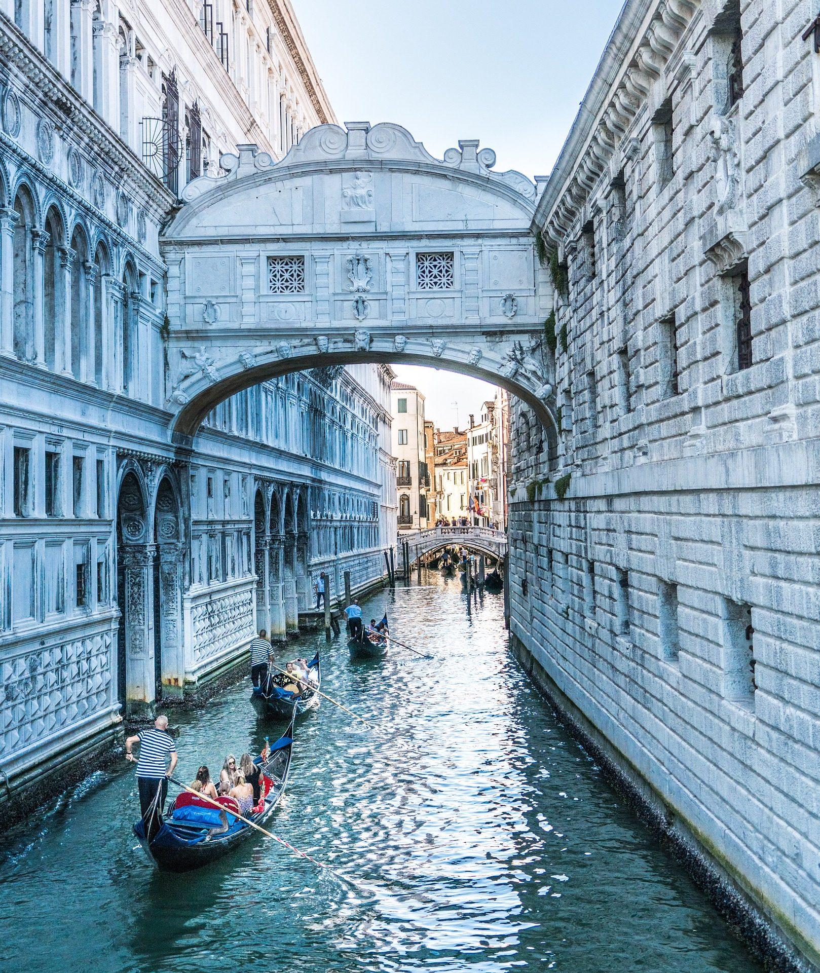 канал, Город, гондолы, здания, воды, Венеция - Обои HD - Профессор falken.com