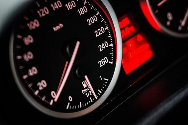 Linux、macOS のスクリプトの行から、インターネット接続の速度を測定する方法