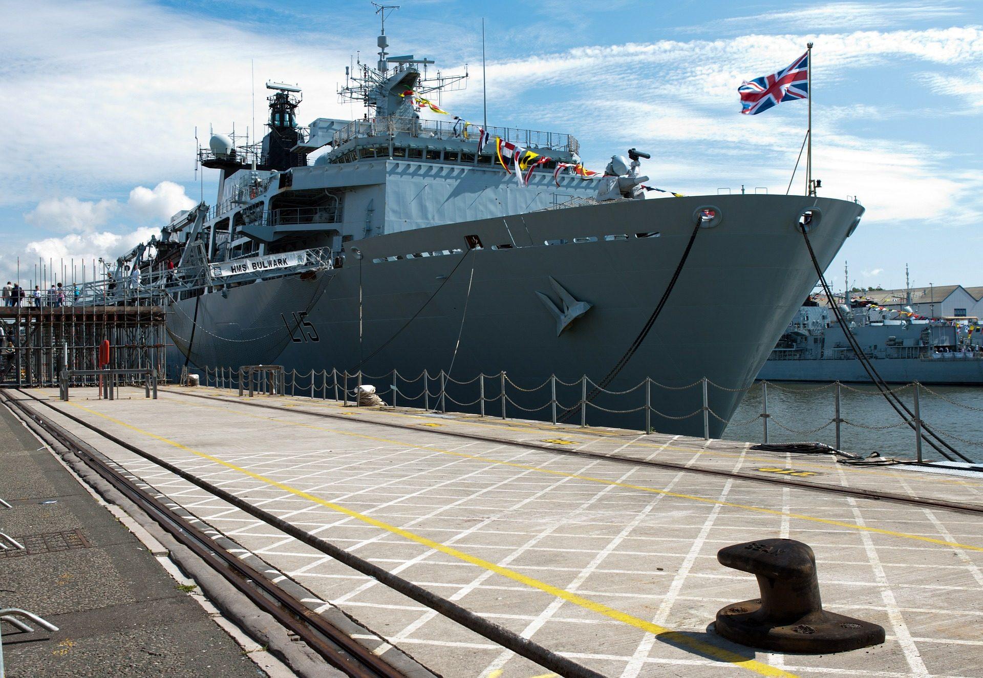 小船, navío, 玛丽娜, británica, 军队, 端口, 系泊设备 - 高清壁纸 - 教授-falken.com
