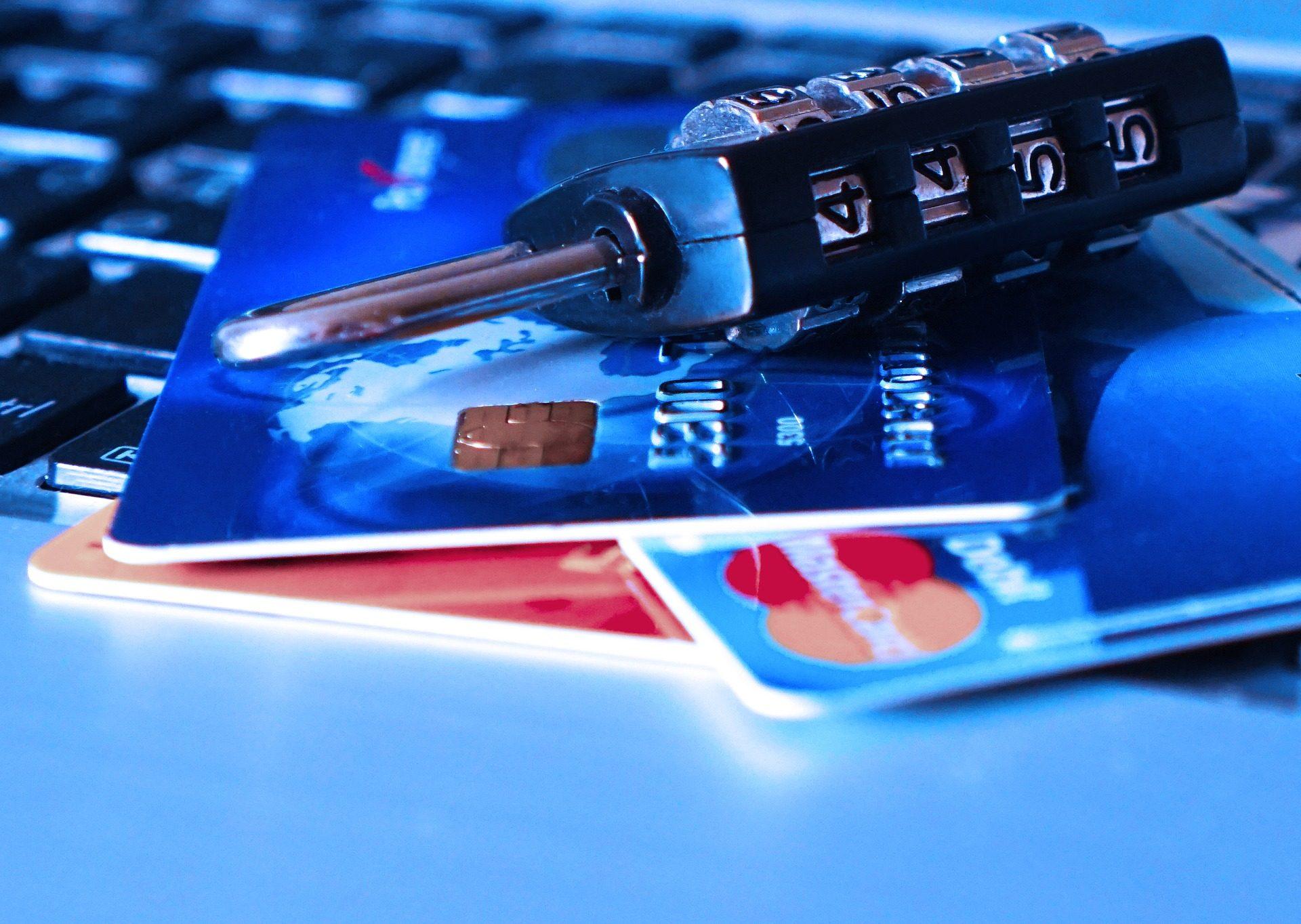λουκέτο, κλειδί, αριθμοί, κάρτες, χρήματα, εμπόριο, ηλεκτρονικά - Wallpapers HD - Professor-falken.com