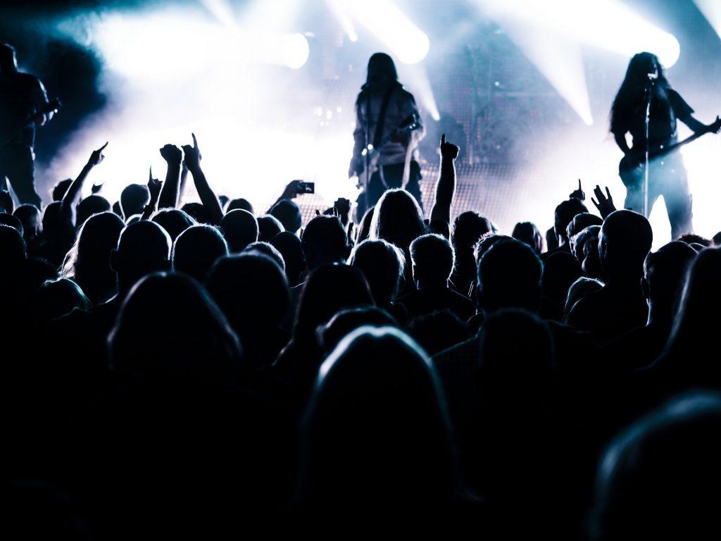concierto, en directo, escenario, gente, banda, 1706051633