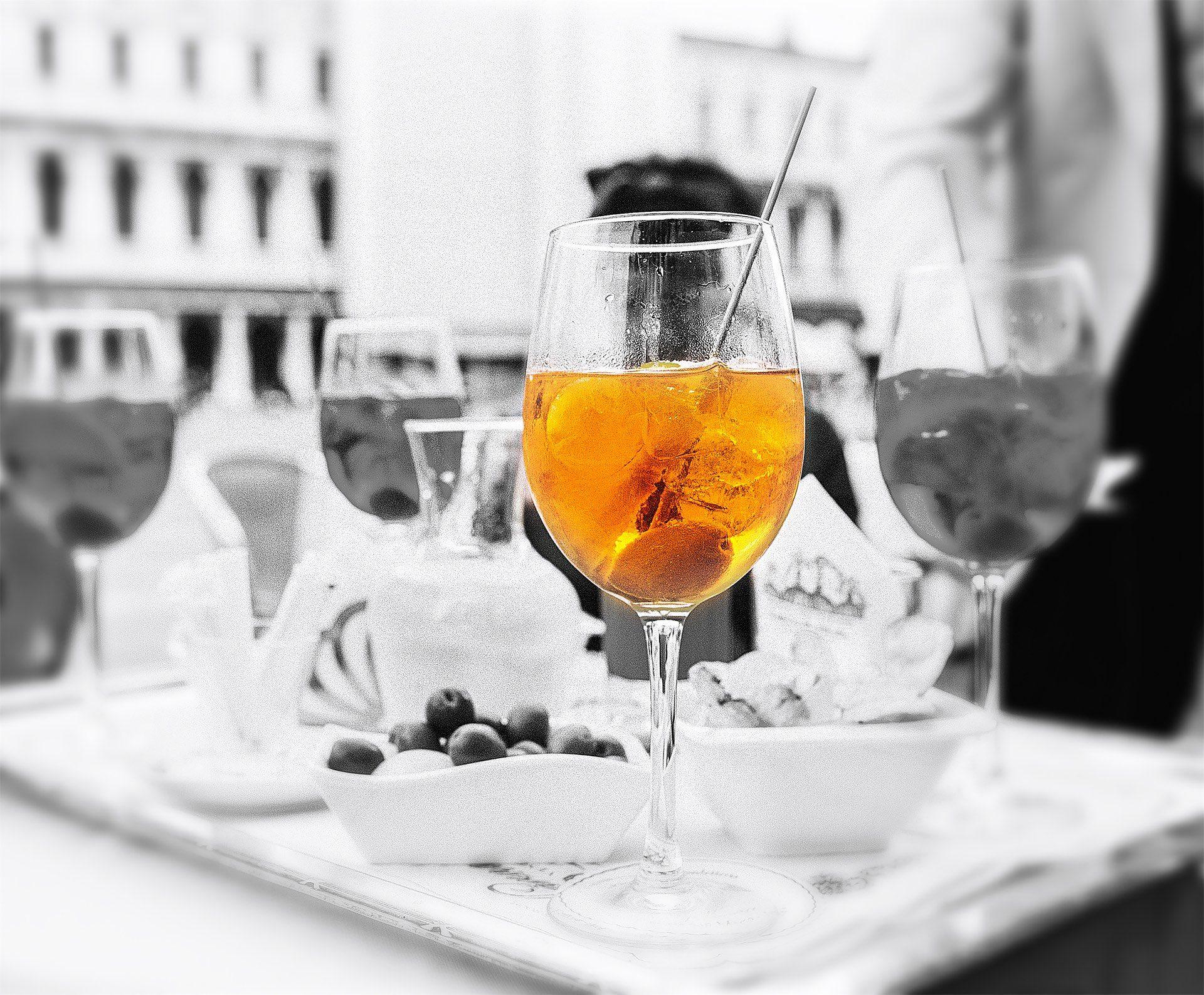 Coupe, Martini, glace, olive, en noir et blanc - Fonds d'écran HD - Professor-falken.com