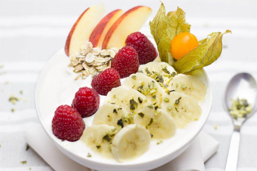 desayuno, saludable, fruta, avena, frambuesas, plátano, plato, cuchara, 1706040851